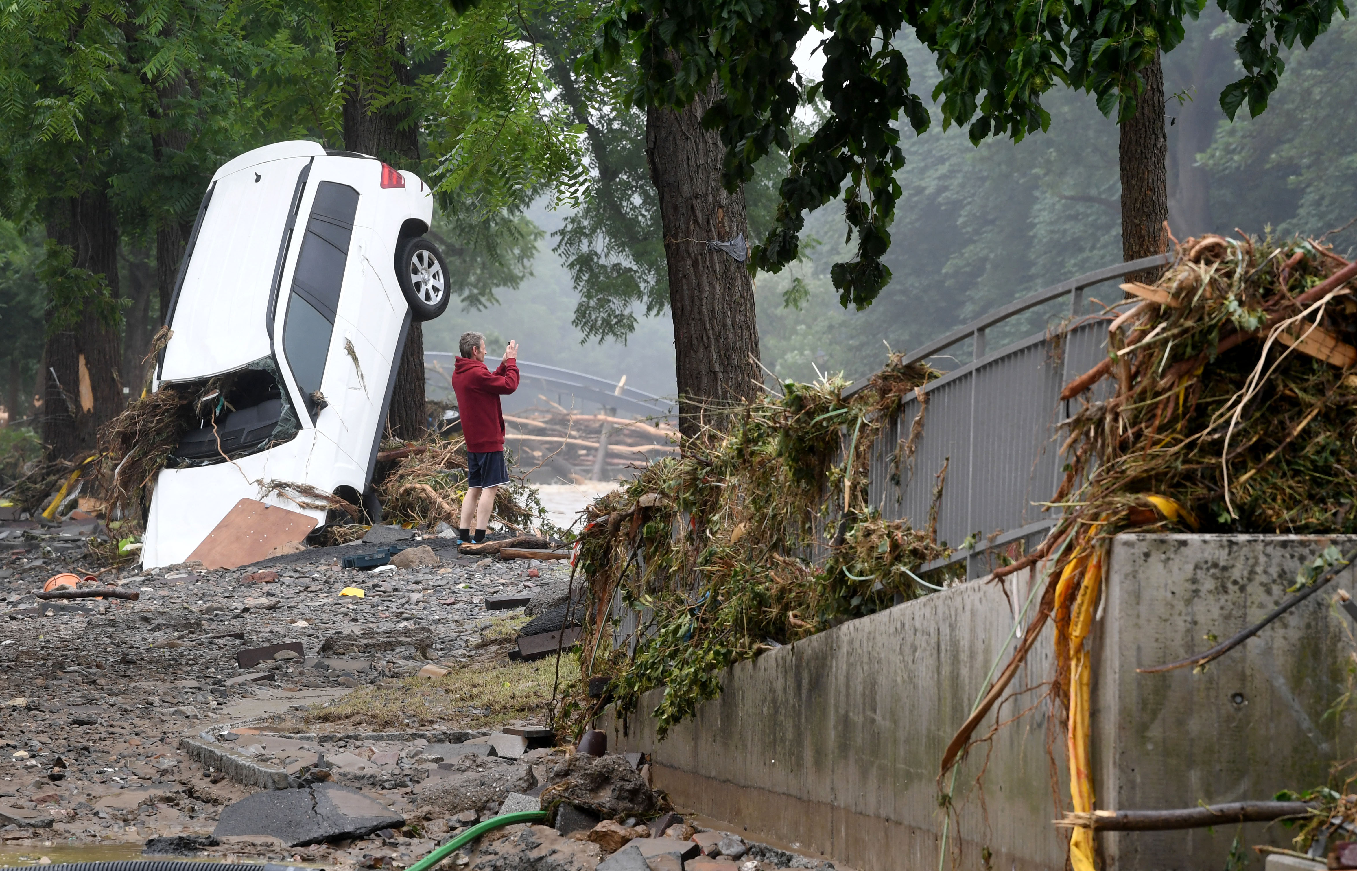 Már több mint 170-en vesztették életüket a németországi és belgiumi árvizekben