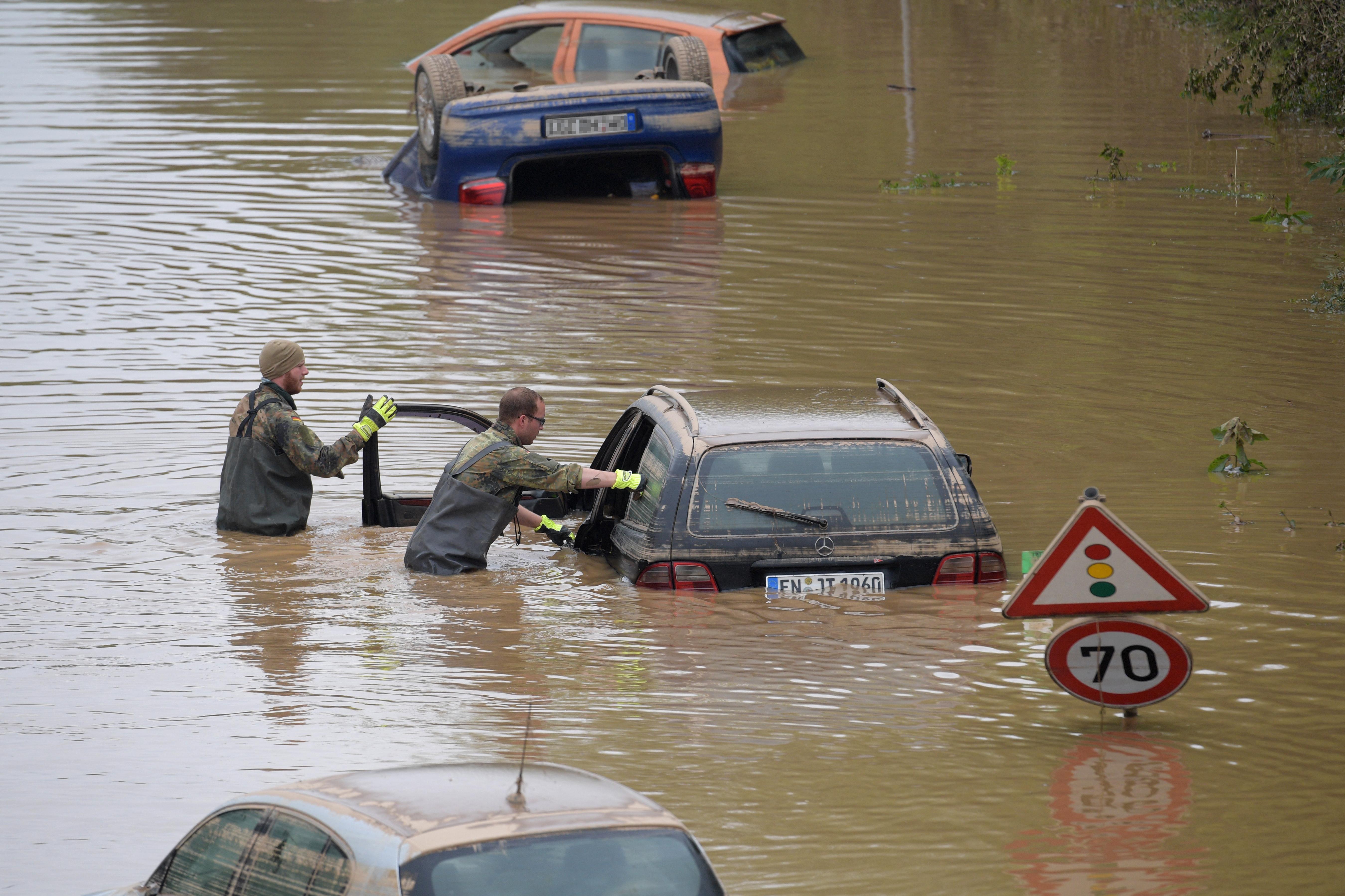 Lehetett tudni, hogy extrém áradások jönnek a Rajna-vidékben, de a figyelmeztető rendszer csődöt mondott