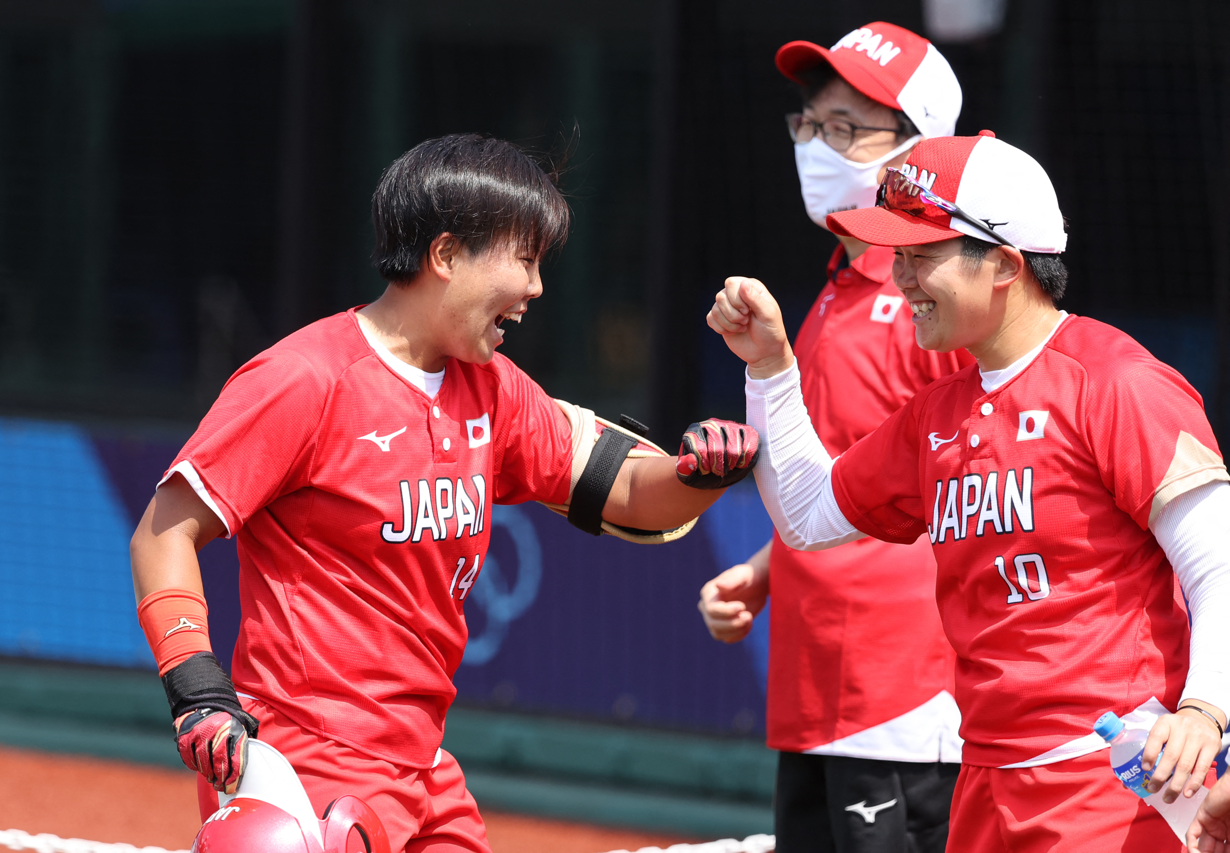 Softball-meccsekkel kezdődik az olimpia