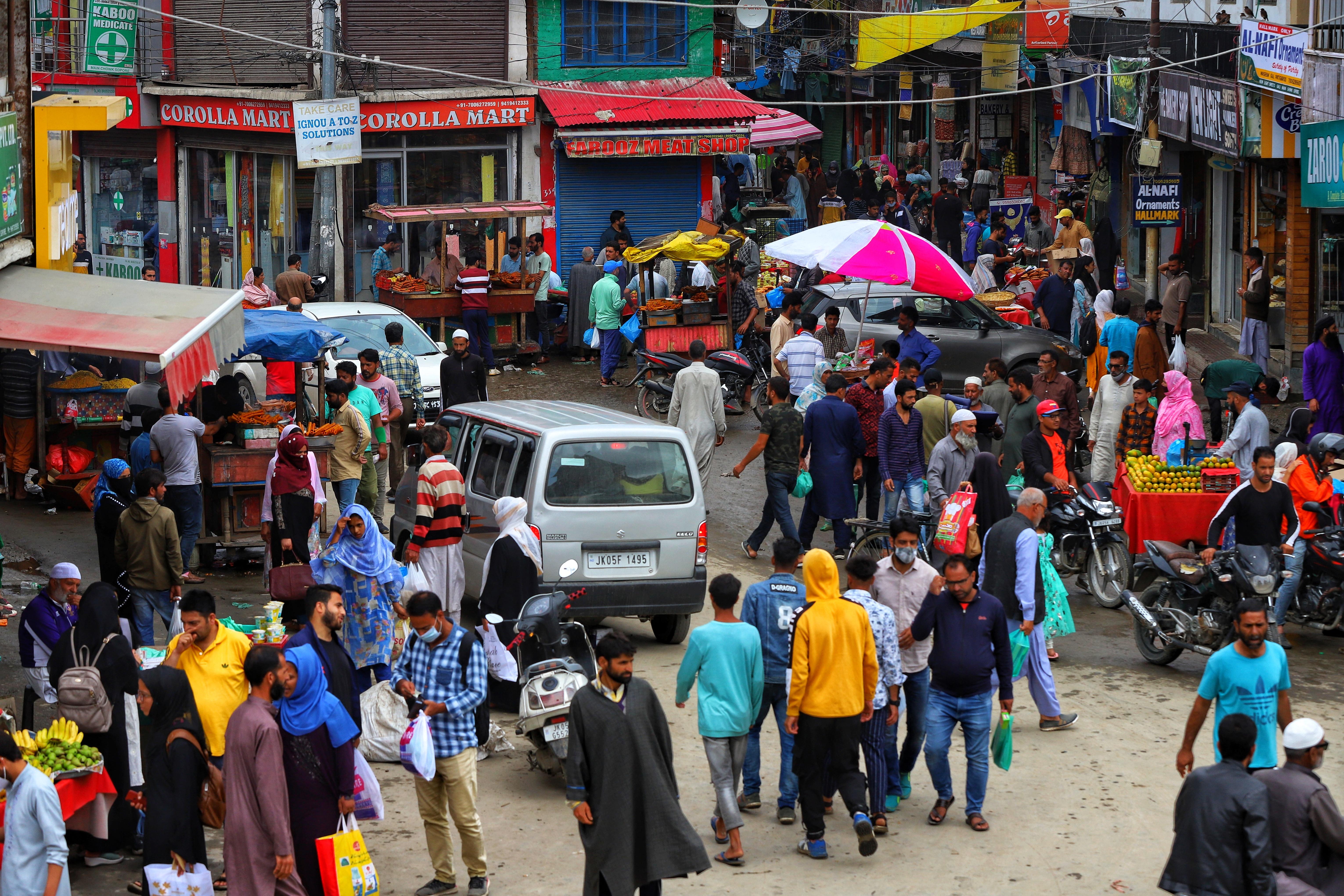 Az indiaiak kétharmada elkaphatta a koronavírust