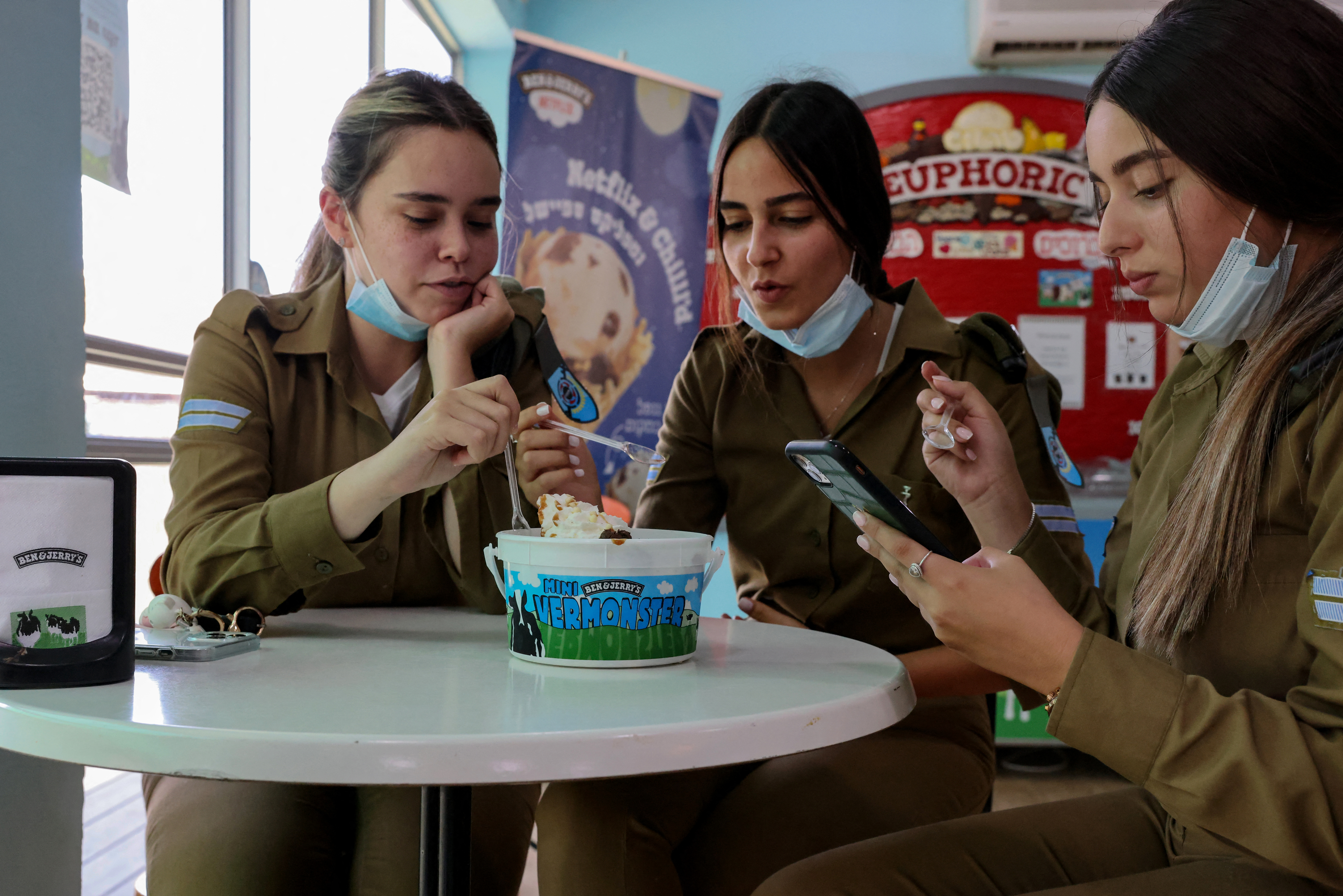 Az Unilever nem győz elhatárolódni az izraeli fagyiügy főszereplőjétől