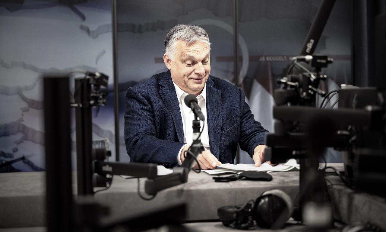 """Átengedte Orbán """"gyermekvédelmi"""" népszavazási kérdéseit a Nemzeti Választási Bizottság"""