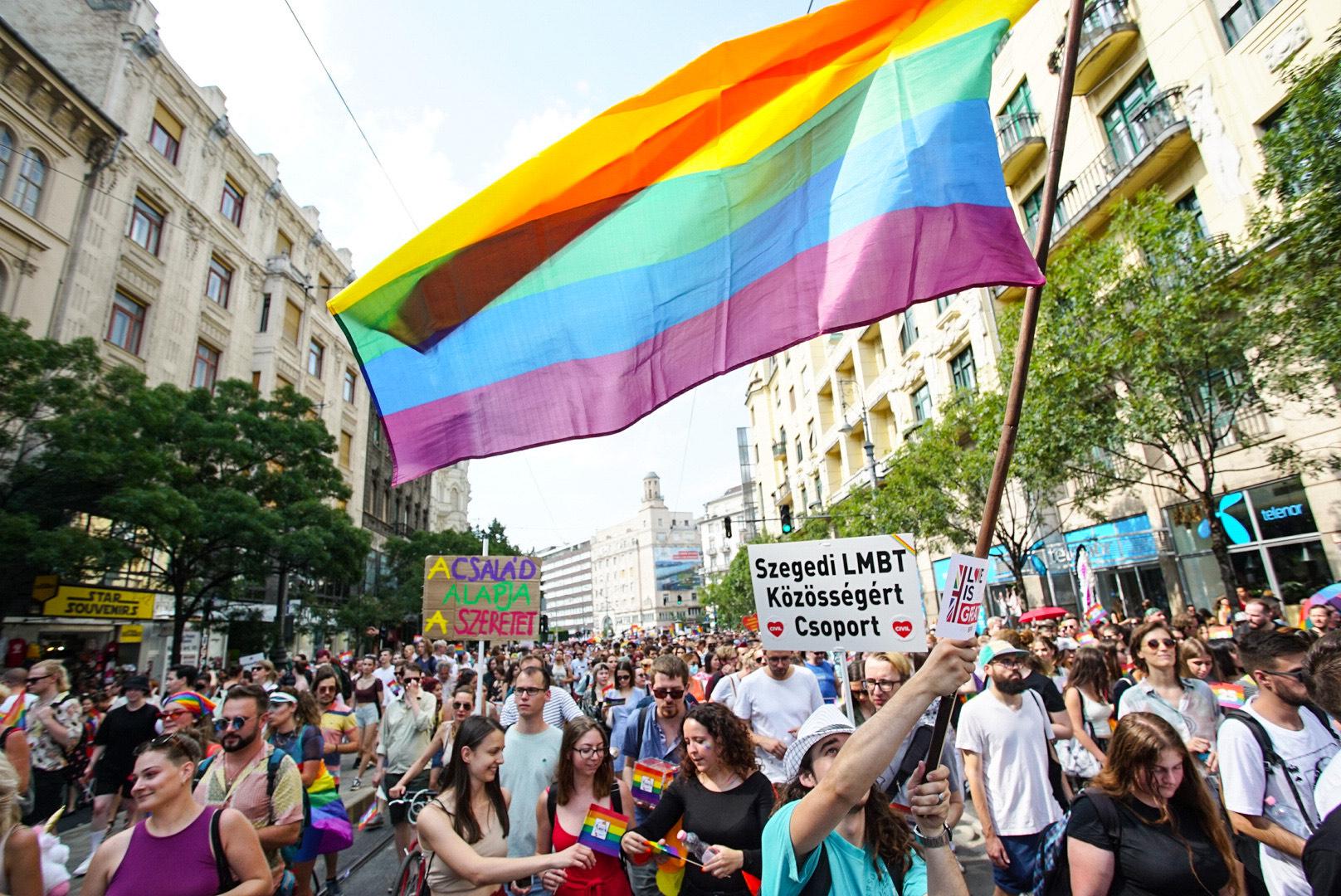 A Pride felvonulói többen lettek a kormány miatt, az ellentüntetők nem