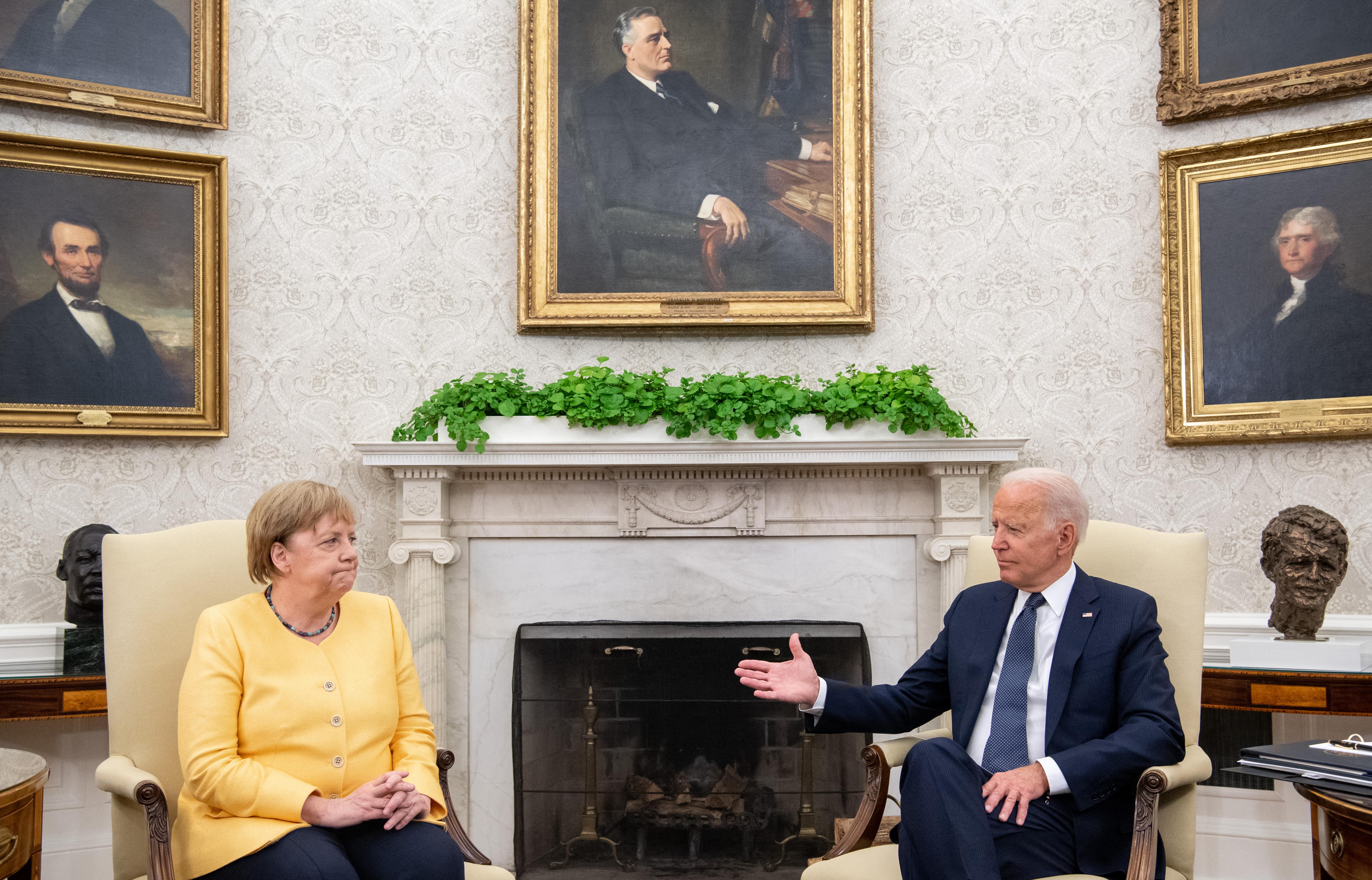 Európai vezetők elhamarkodottnak tartják az amerikai kivonulást