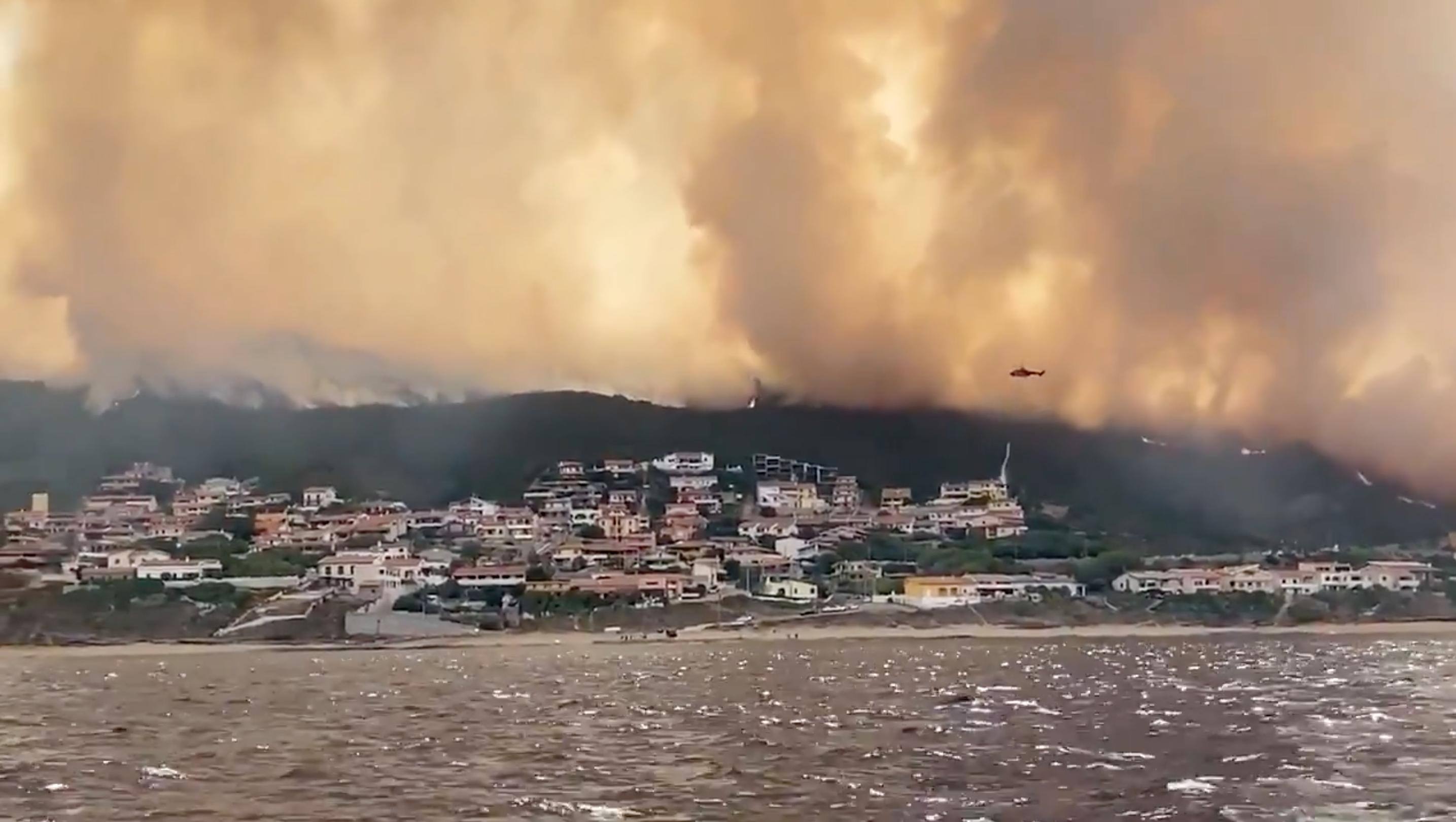 Tűzvész pusztít Szardínia szigetén