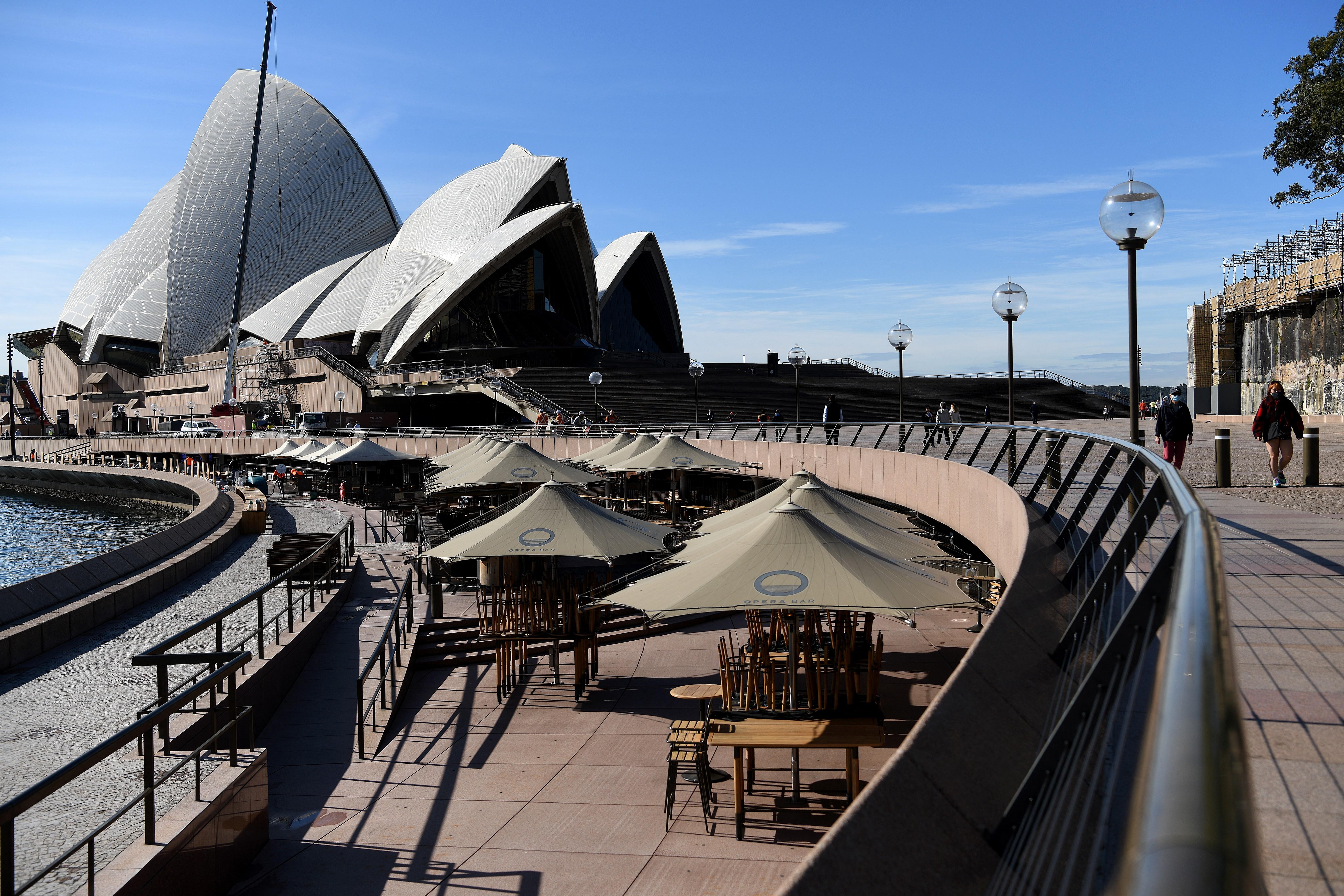 Szeptemberig is tarthatnak a lezárások Sydney-ben, olyan súlyos a vírushelyzet