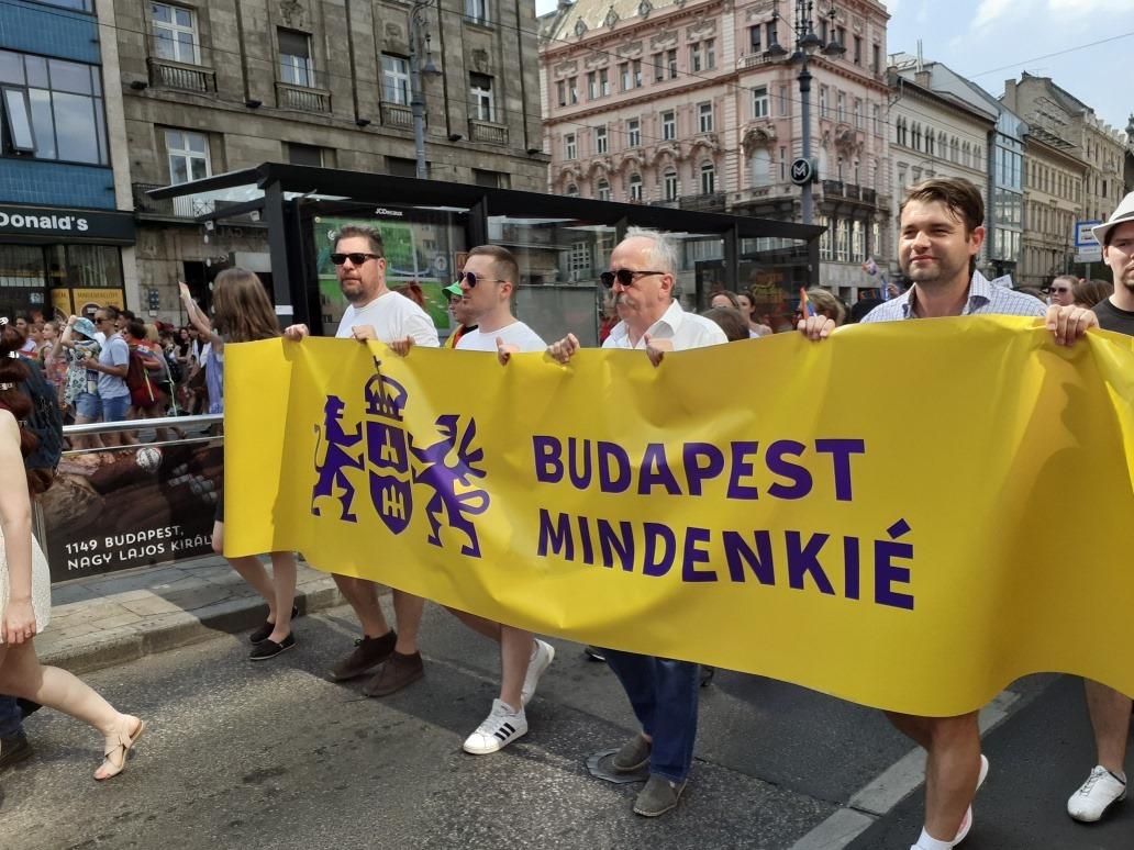 A Jobbik cáfolja, hogy etikai eljárás indul a Pride-on vonuló politikusuk ellen