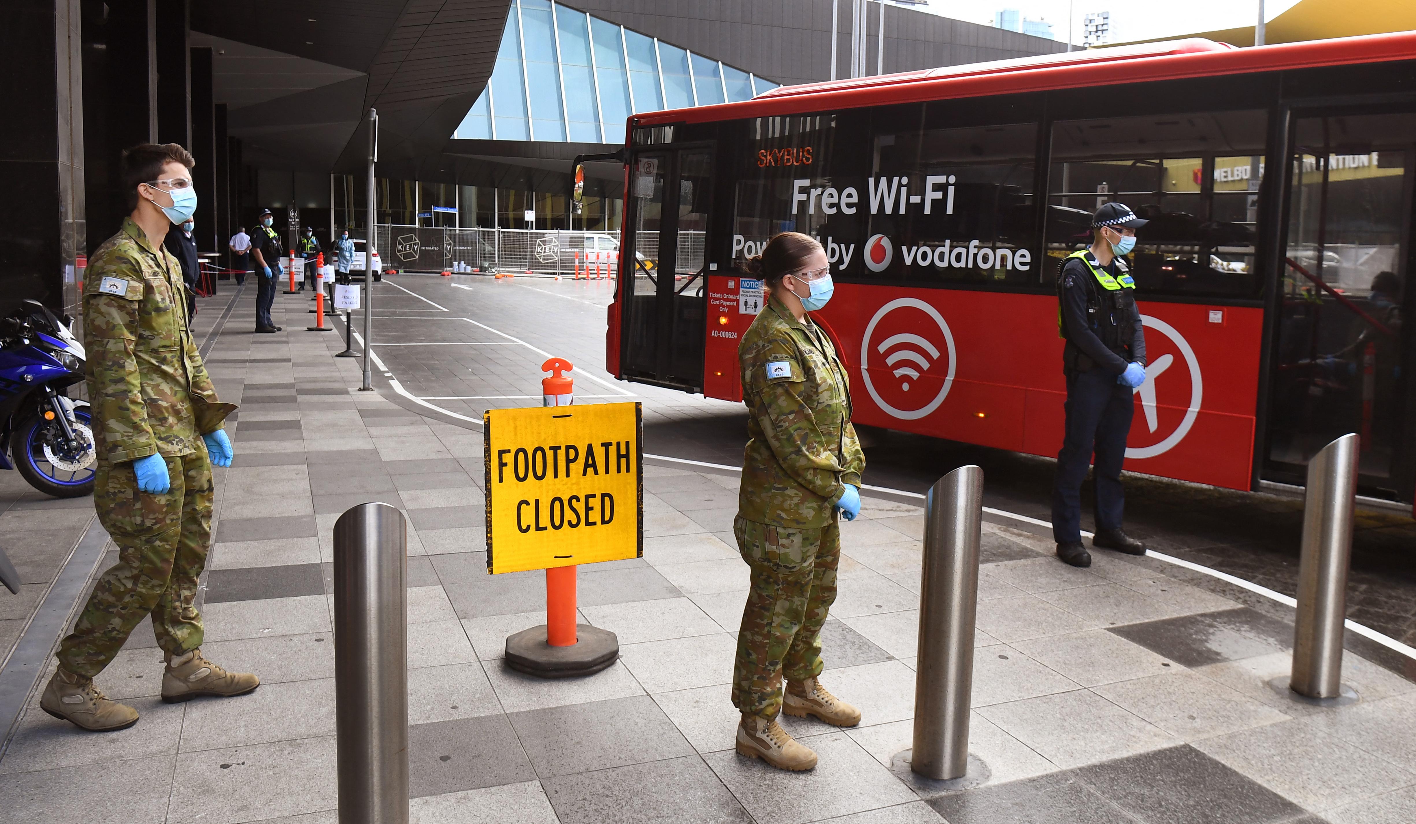Ausztráliában katonákkal próbálják megfékezni a járványt
