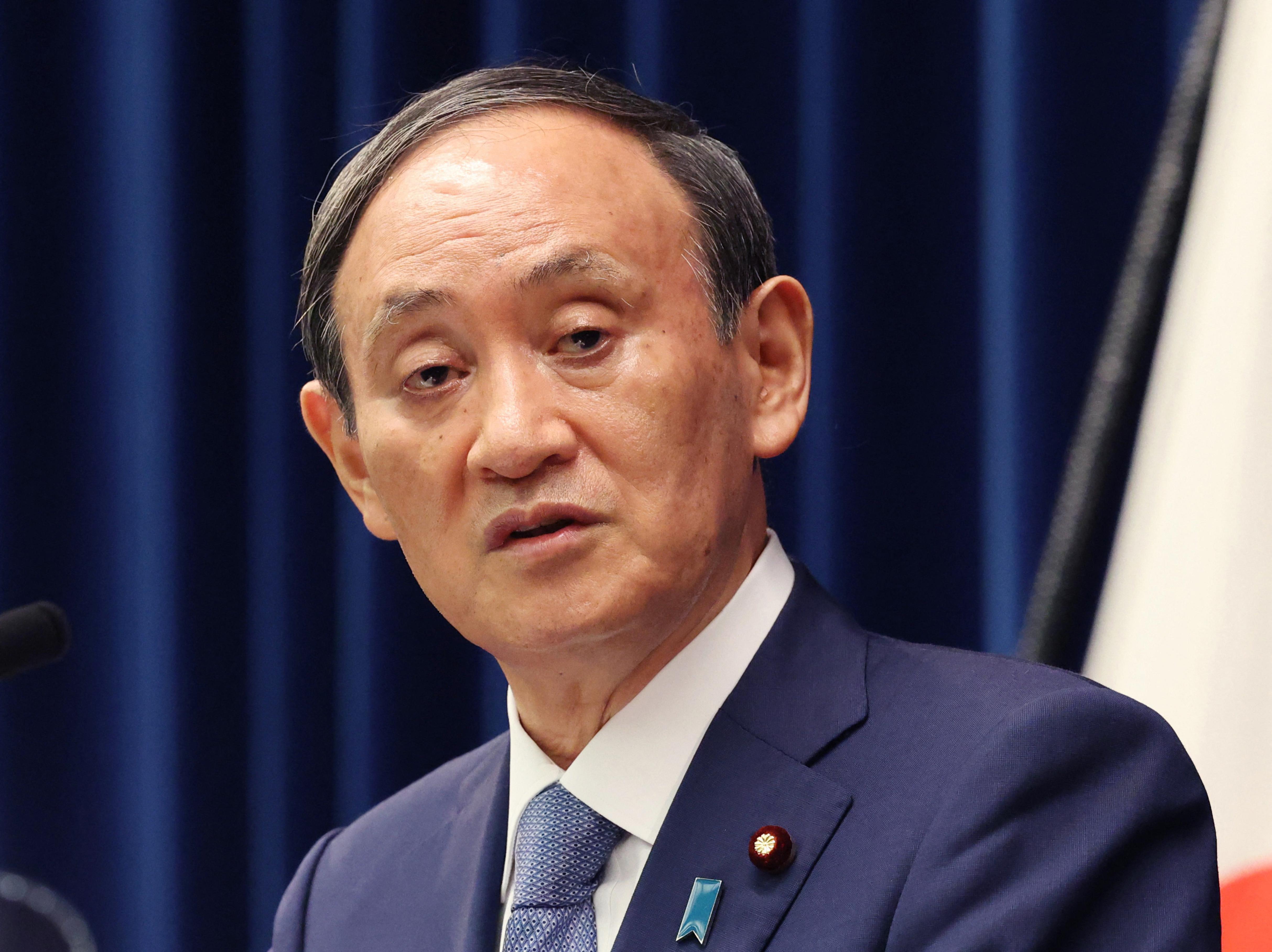 Alig egy év után távozhat a japán miniszterelnök