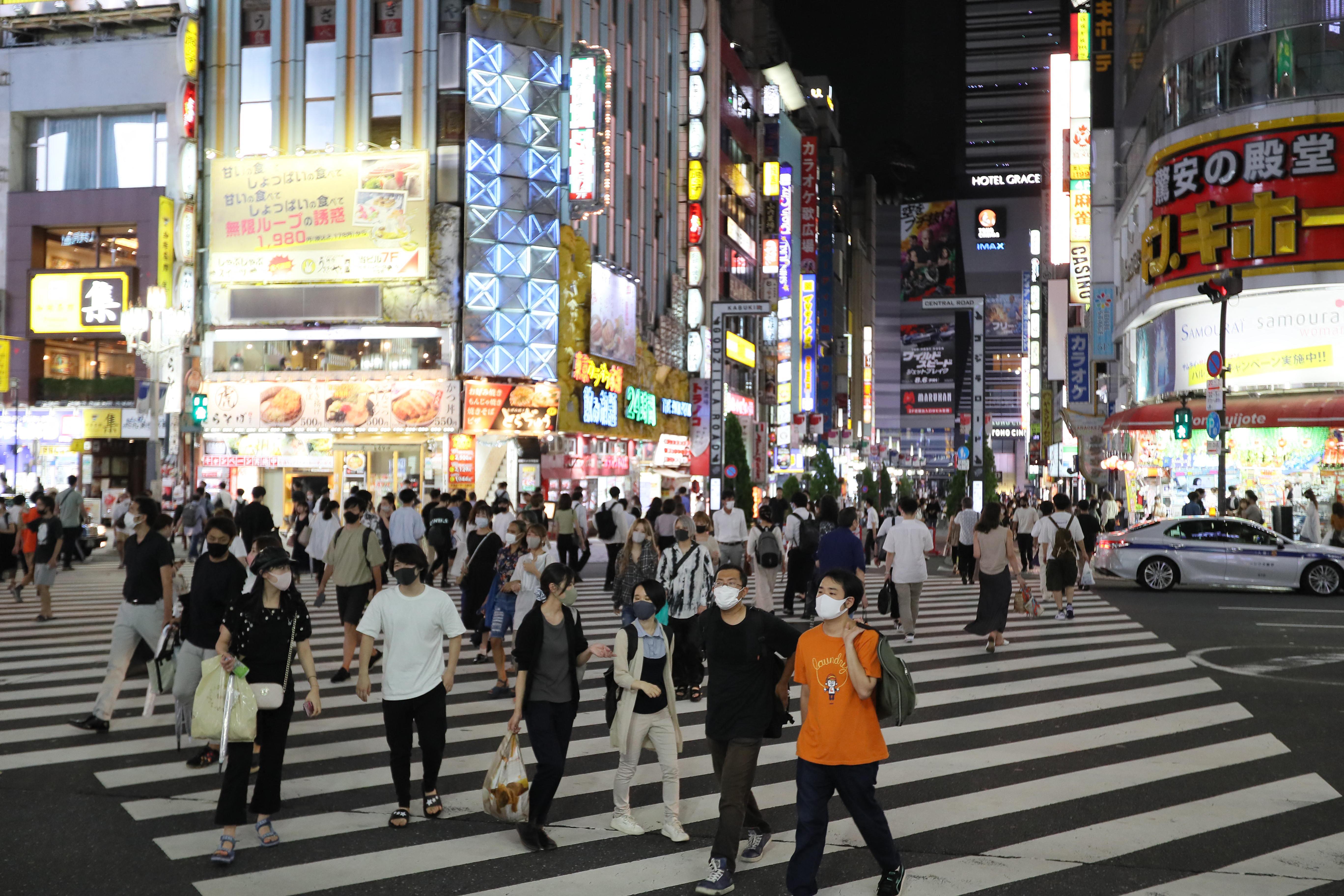 Meredeken emelkedik a koronavírusos fertőzöttek száma Tokióban
