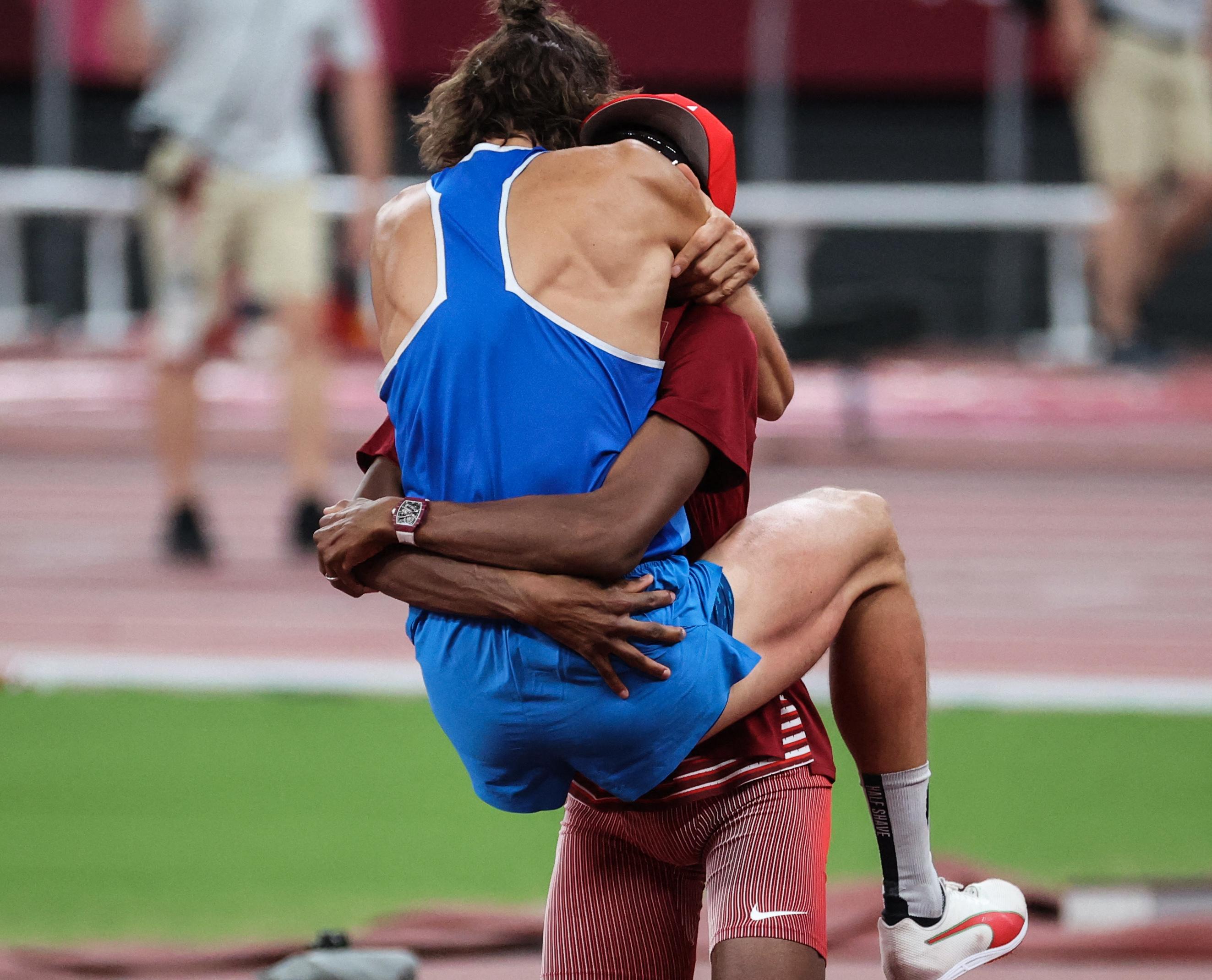 Kézfogással döntötték el, ki lesz férfi magasugrásban az olimpiai bajnok