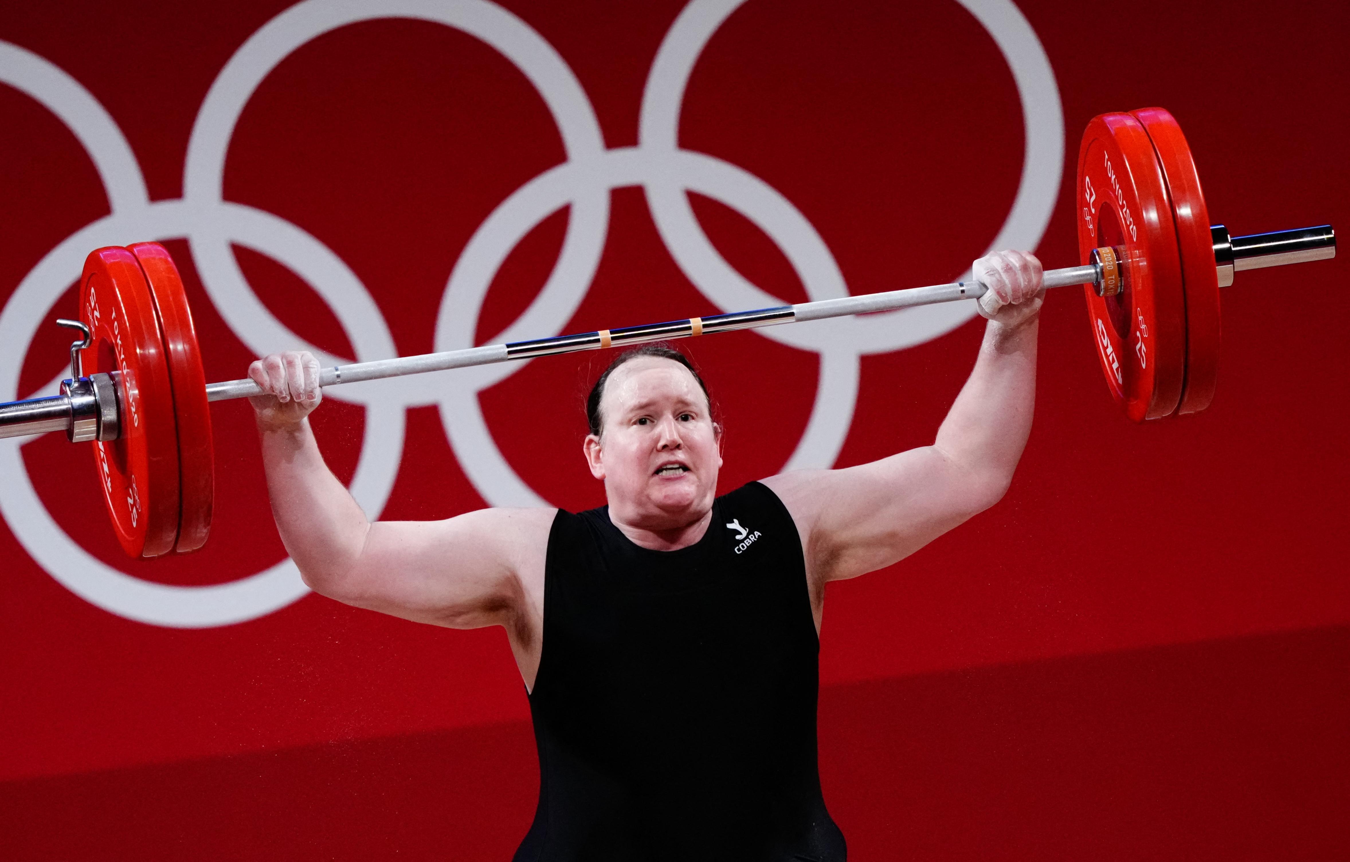 Laurel Hubbard nem tudta megemelni a 120 kilót