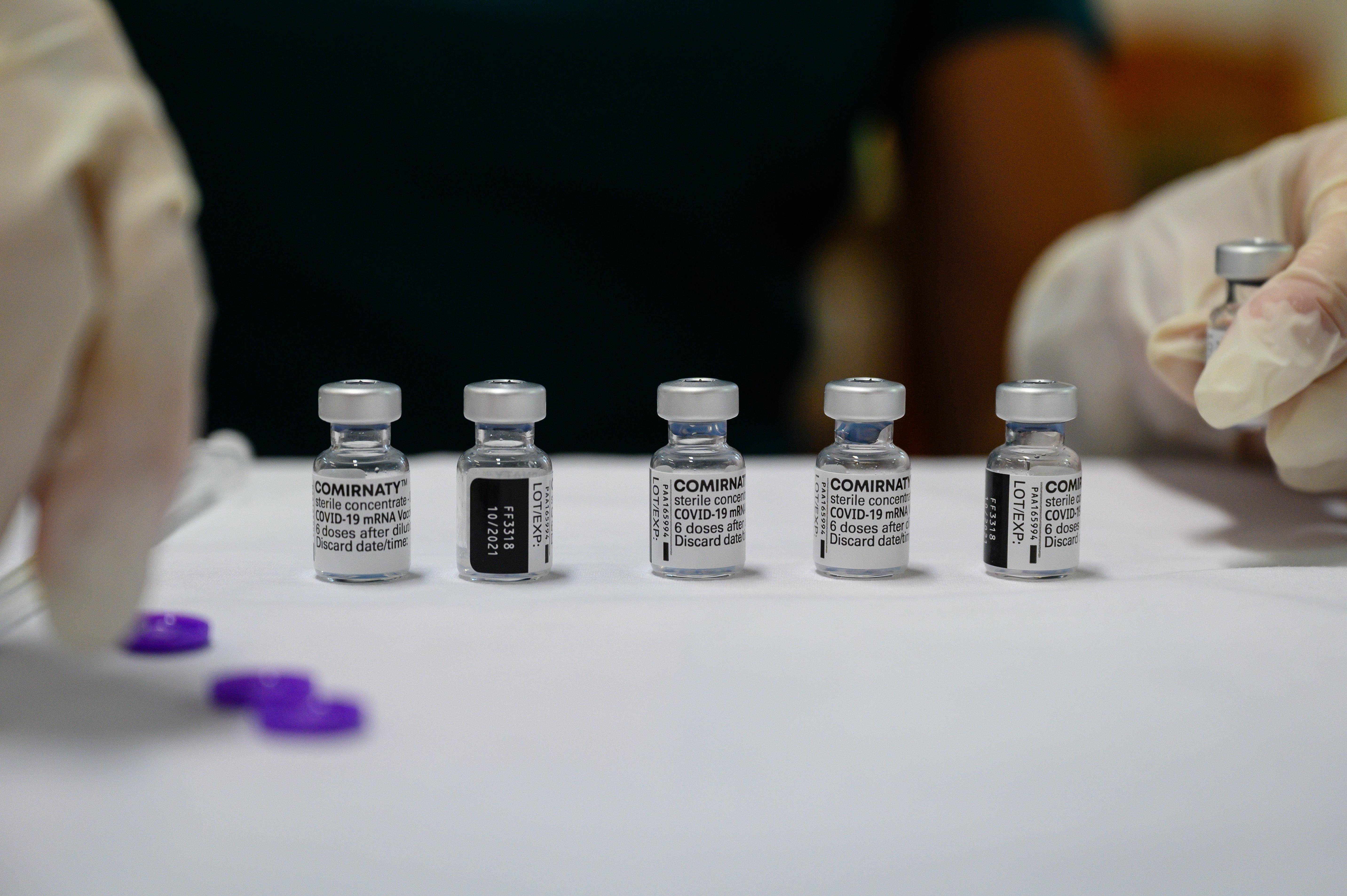 Müller Cecília helyett szakértők írták le, hogy a kínai vakcinát kapott, de antitest védelem nélkül maradt időseknek mindenképpen szükségük van 3. oltásra