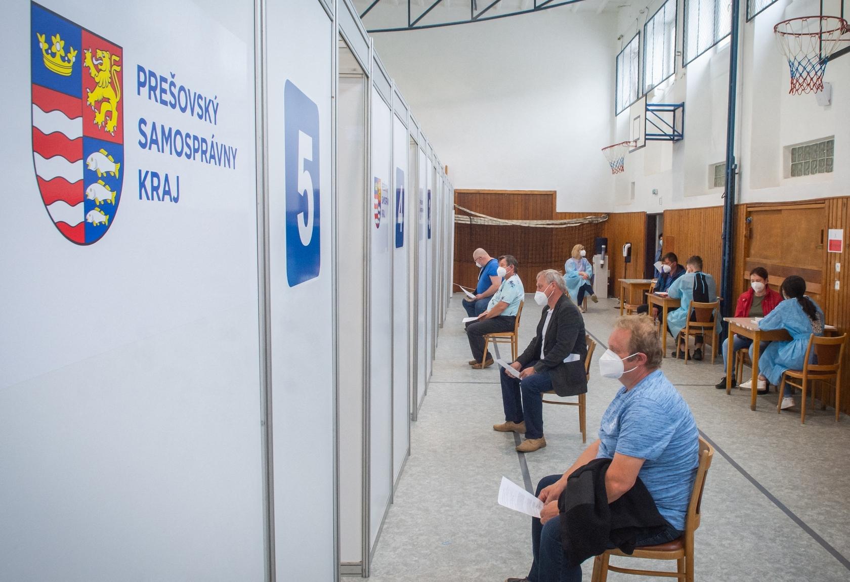 Húsz óra alatt 160 ezren regisztráltak a vakcinalottóra Szlovákiában