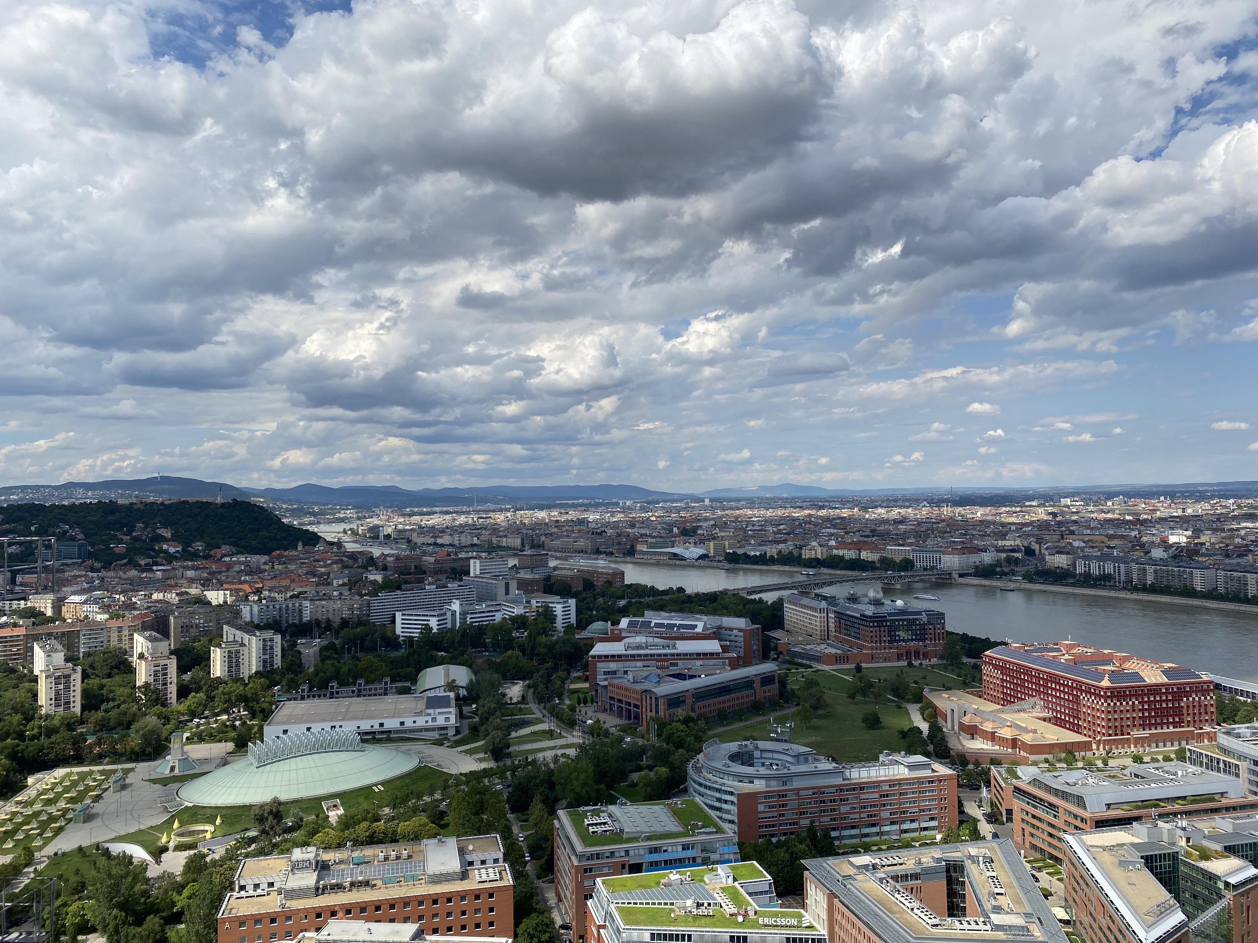 Mi lesz az első magyar felhőkarcolóból: hivalkodó pöcs, szúnyogcsapda vagy kukoricacső?