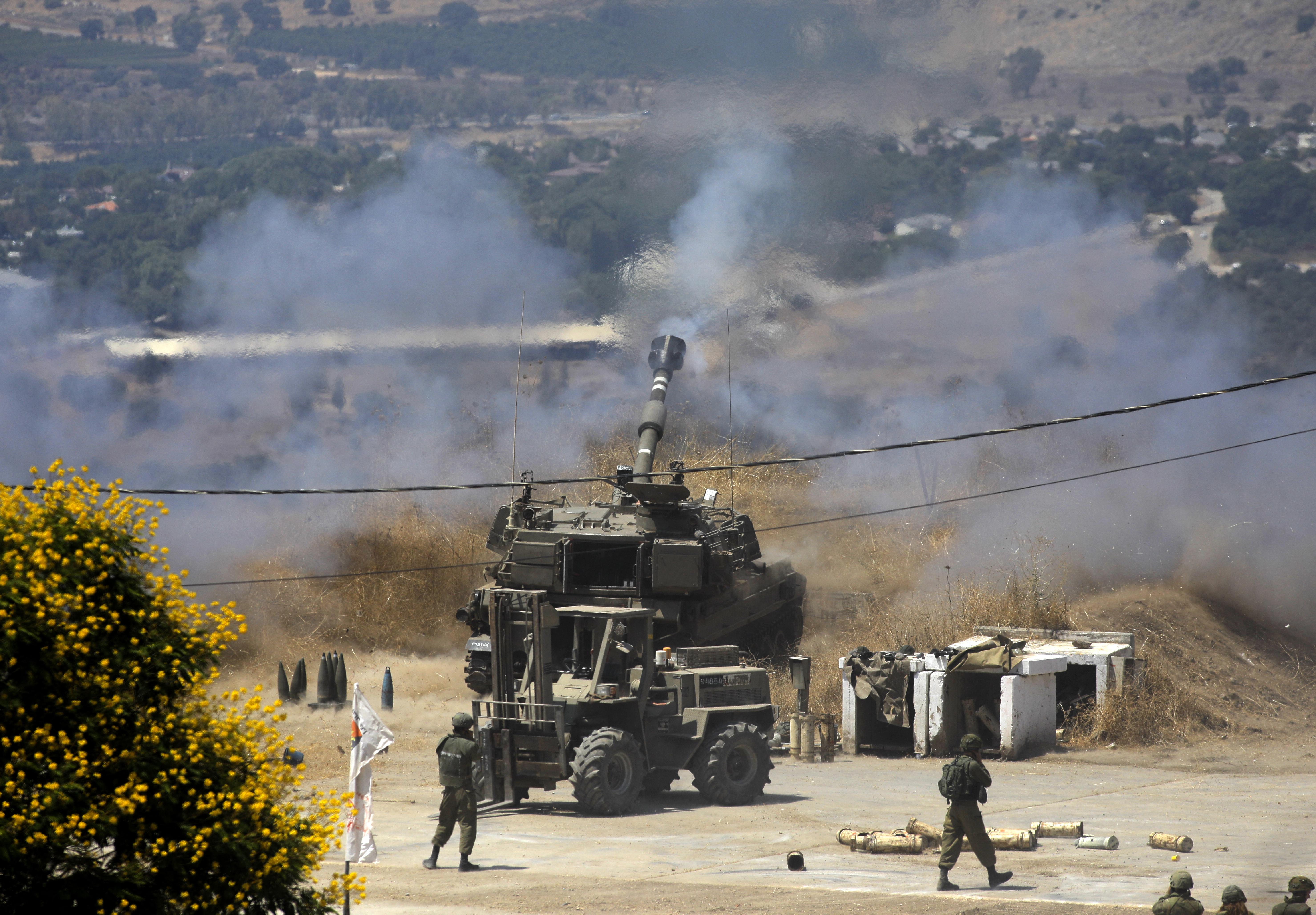 Libanon rakétázni kezdte Izrael területeit, Izrael válaszul csapást mért az indítóállásokra