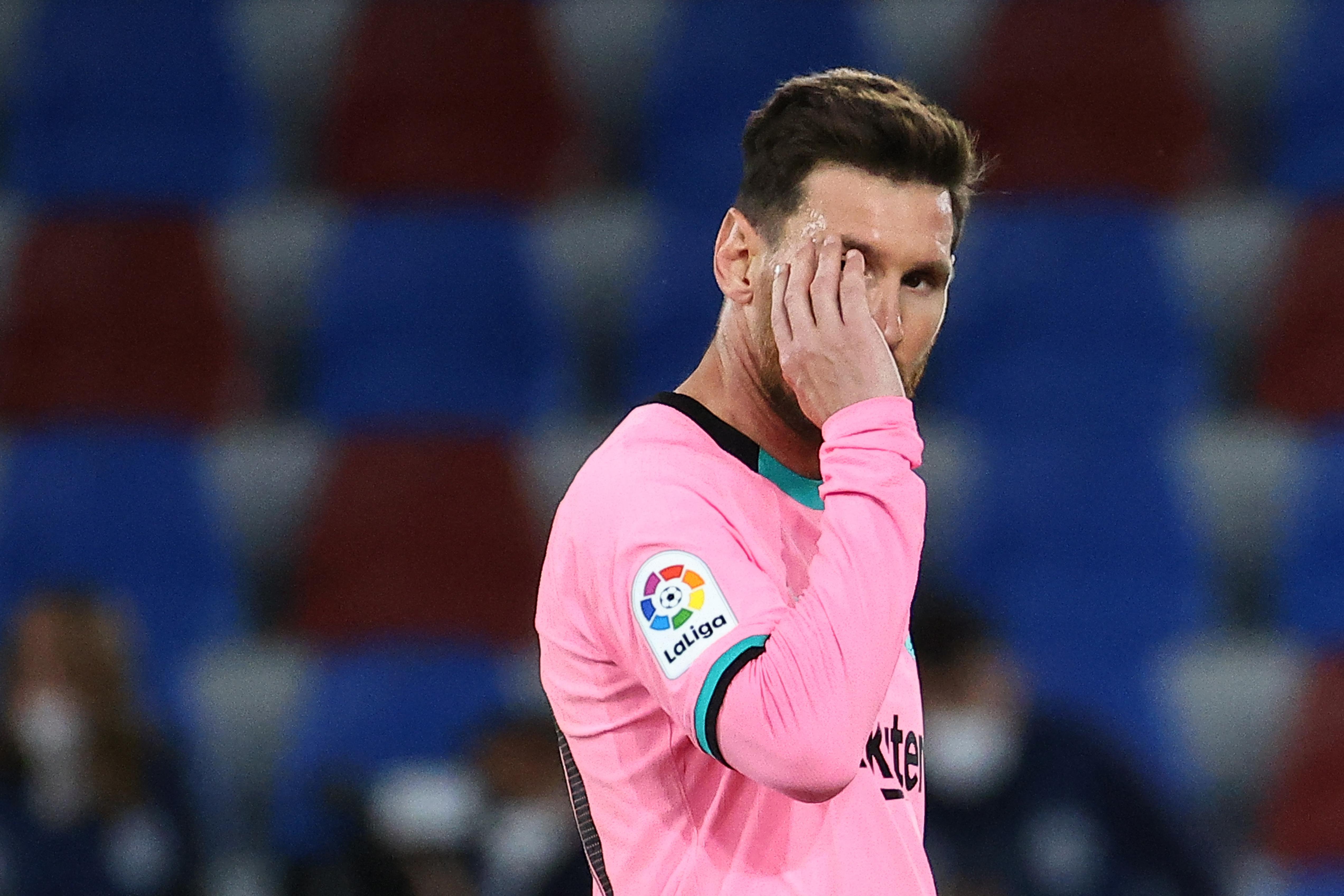 Messi otthagyja a Barcelonát