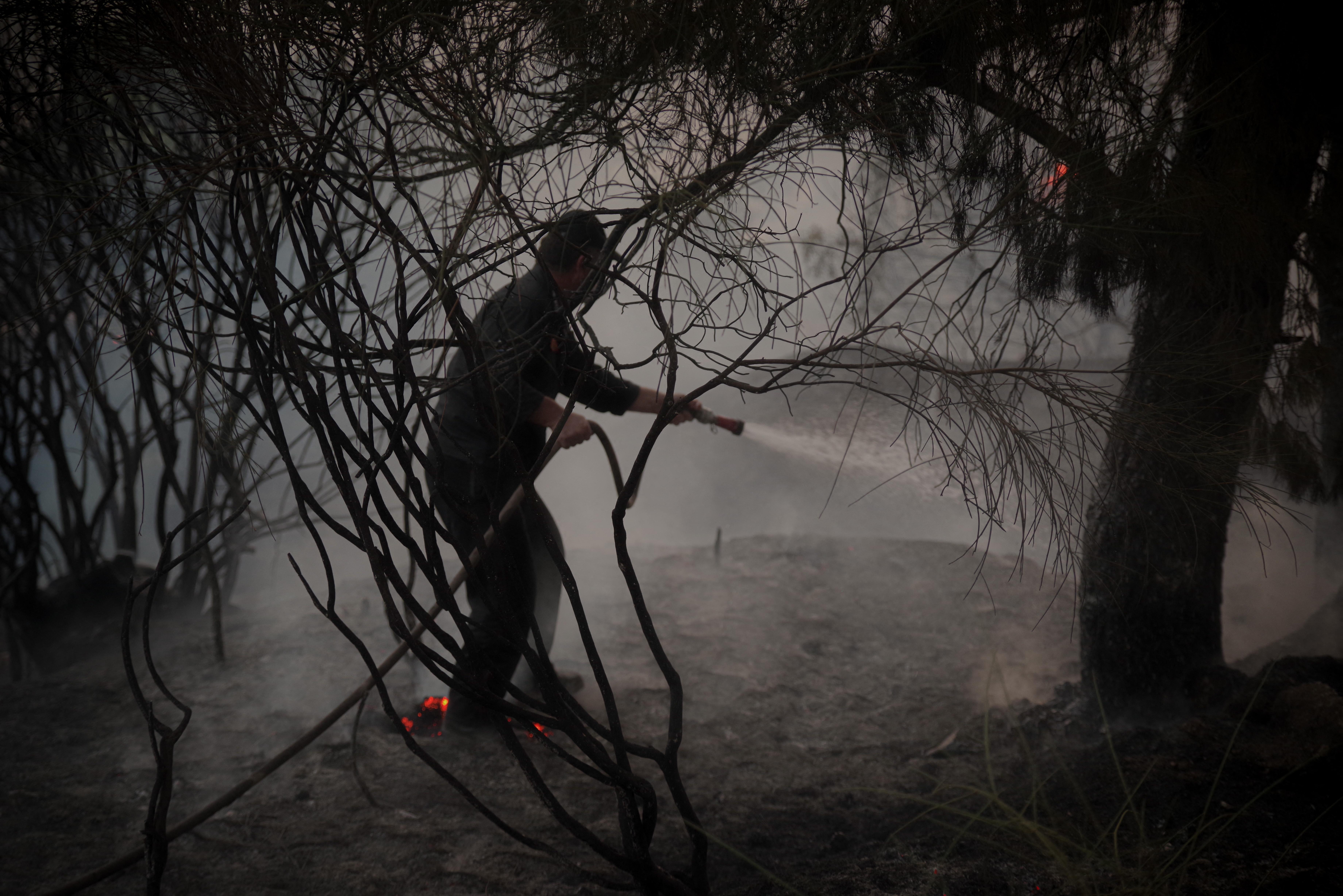 Görögország százezer adag AstraZenecát ad Ukrajnának hálából, amiért segítettek a tűzoltásban