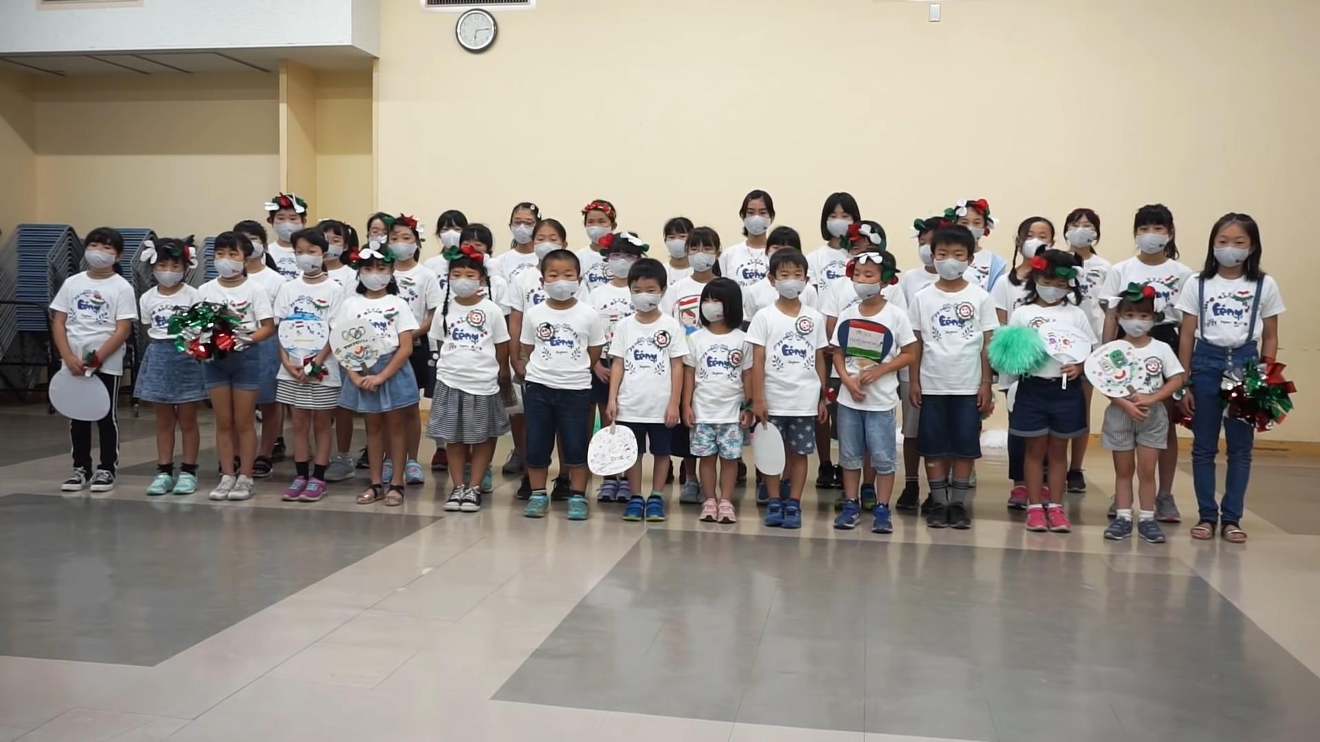 """Japán kisgyerekek üzenik: """"Az éjjel soha nem érhet véget!"""""""