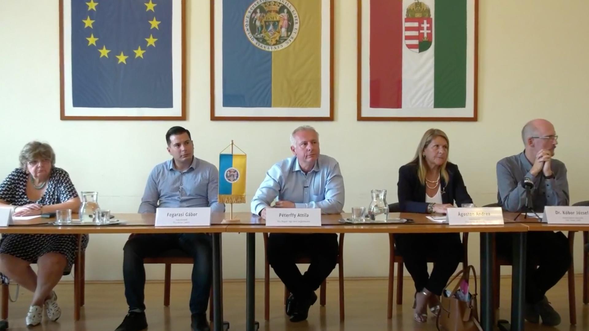 Nevet változtatott az ellenzéki frakciószövetség Pécsen