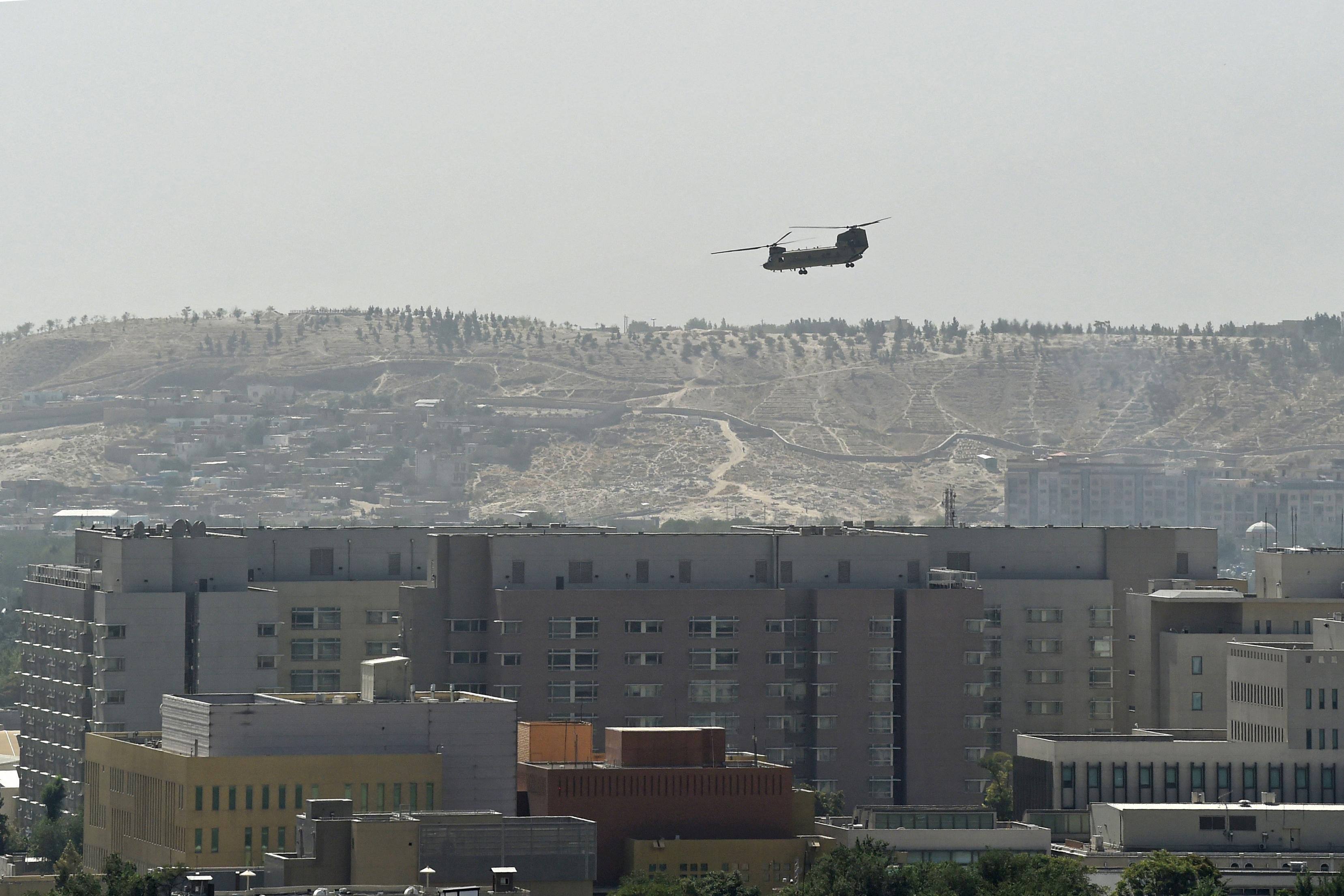 Biden egy hónapja még kizártnak tartotta, hogy helikopterrel kelljen majd menekíteni az amerikai követség alkalmazottait a tálibok miatt