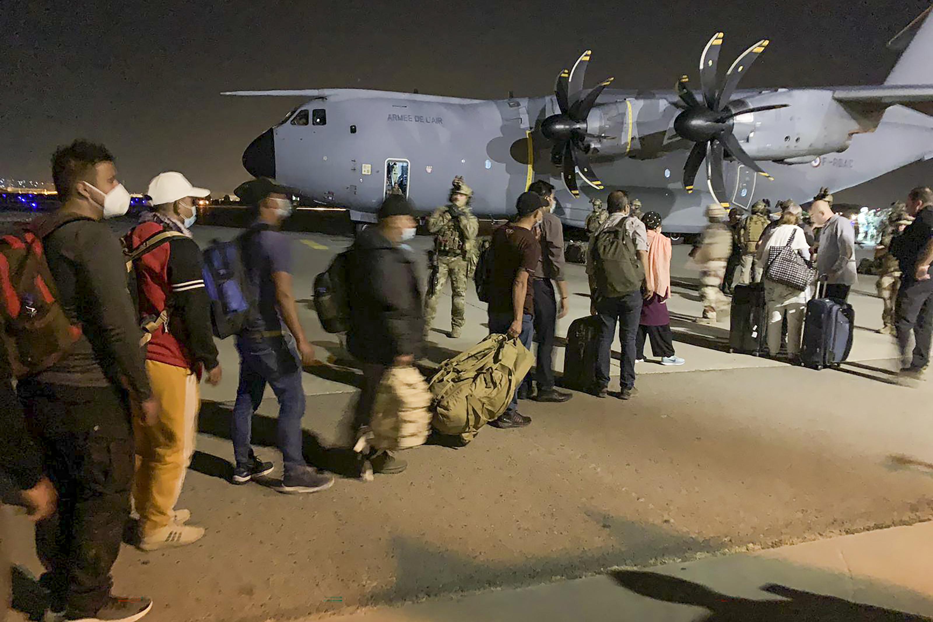 Huszonhat magyar rekedt Kabulban
