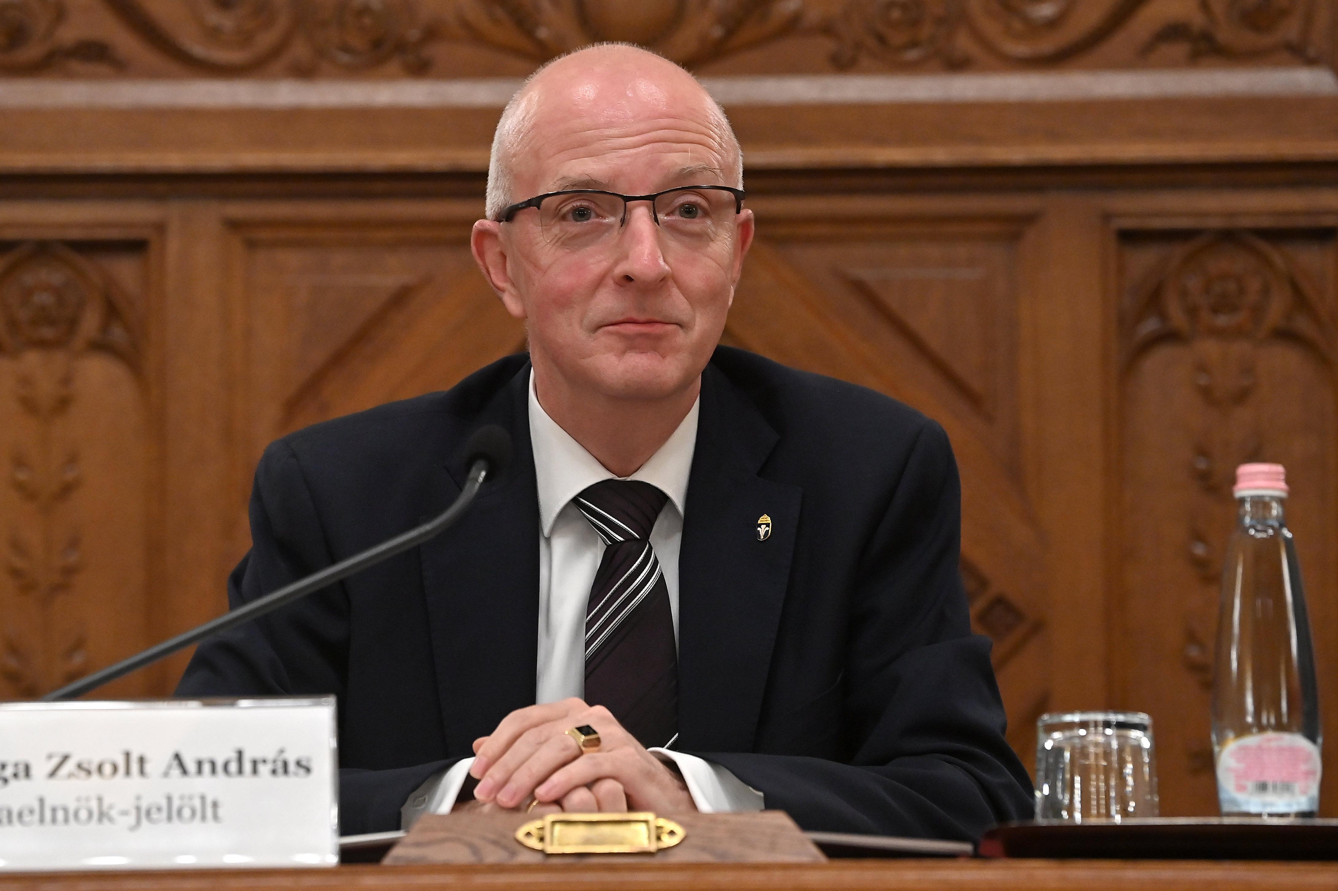 A Kúria elnöke és elnökhelyettese népszavazási, választási és gyülekezési ügyekben is eljár bíróként