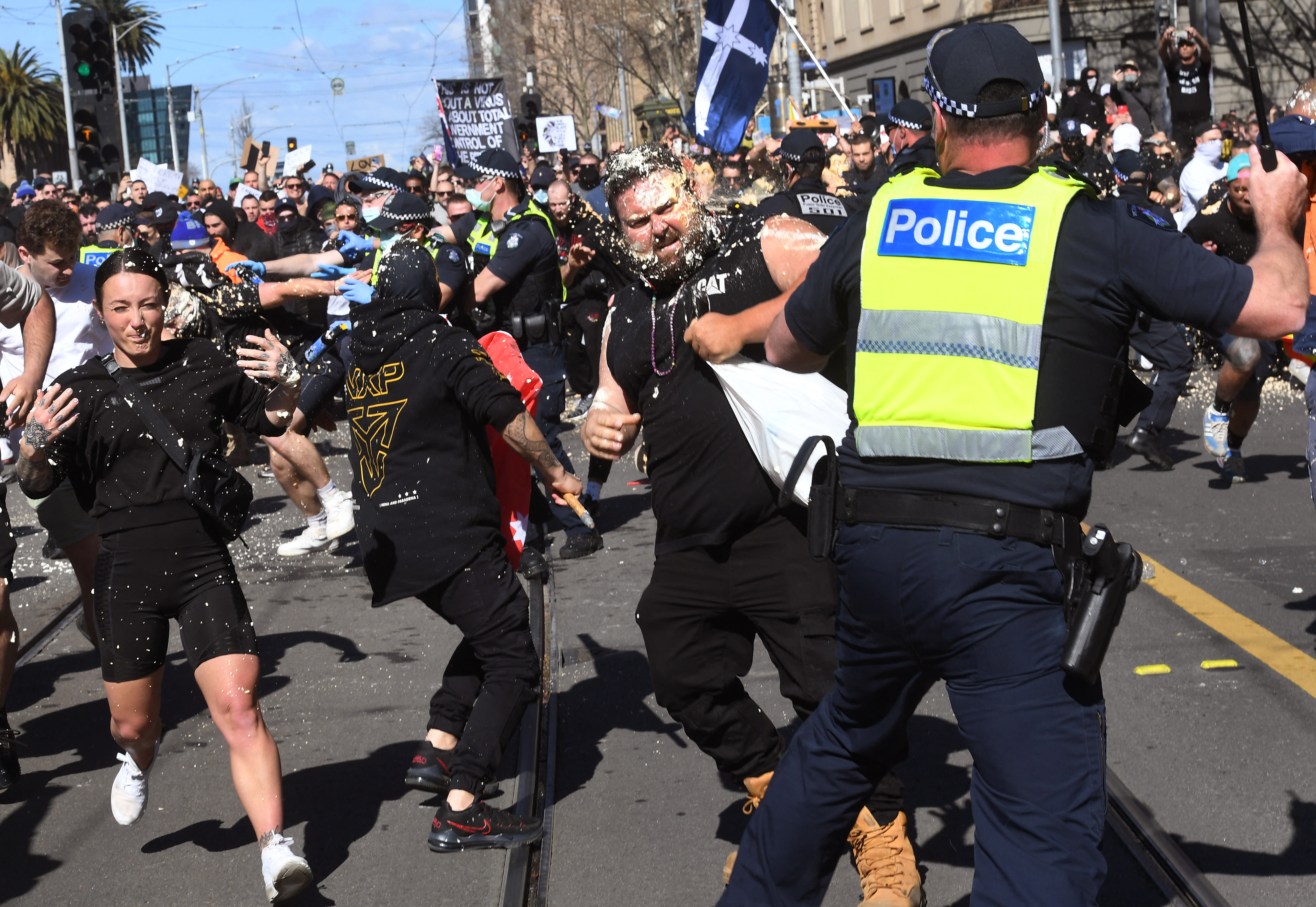 20 éve nem volt olyan erőszakos tüntetés Melbourne-ben, mint a szombati
