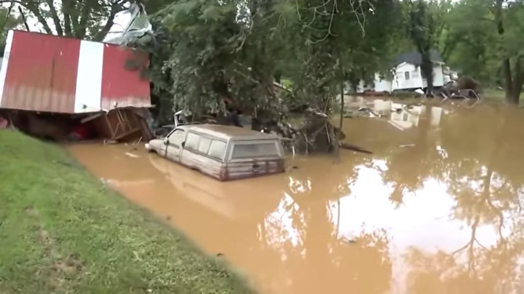 Az elmúlt száz év legsúlyosabb áradása sújtja Tennessee államot