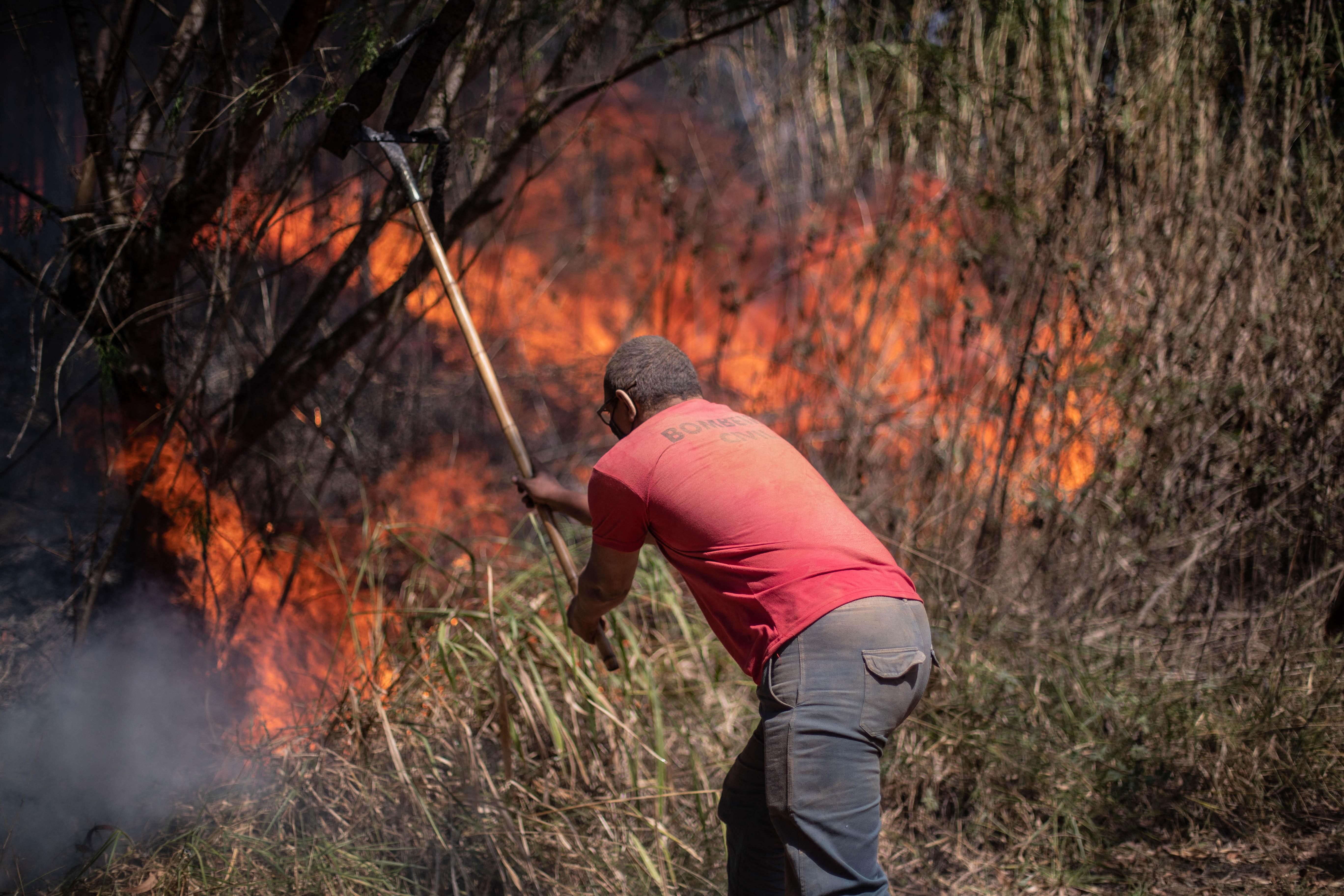 Gyertyás léggömbökkel ünnepeltek Brazíliában, felgyújtottak velük egy nemzeti parkot