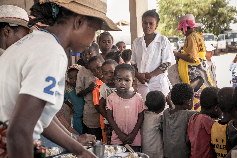 Madagaszkáron már sáskát és kaktuszlevelet esznek, hogy túléljék a klímaváltozás okozta éhínséget