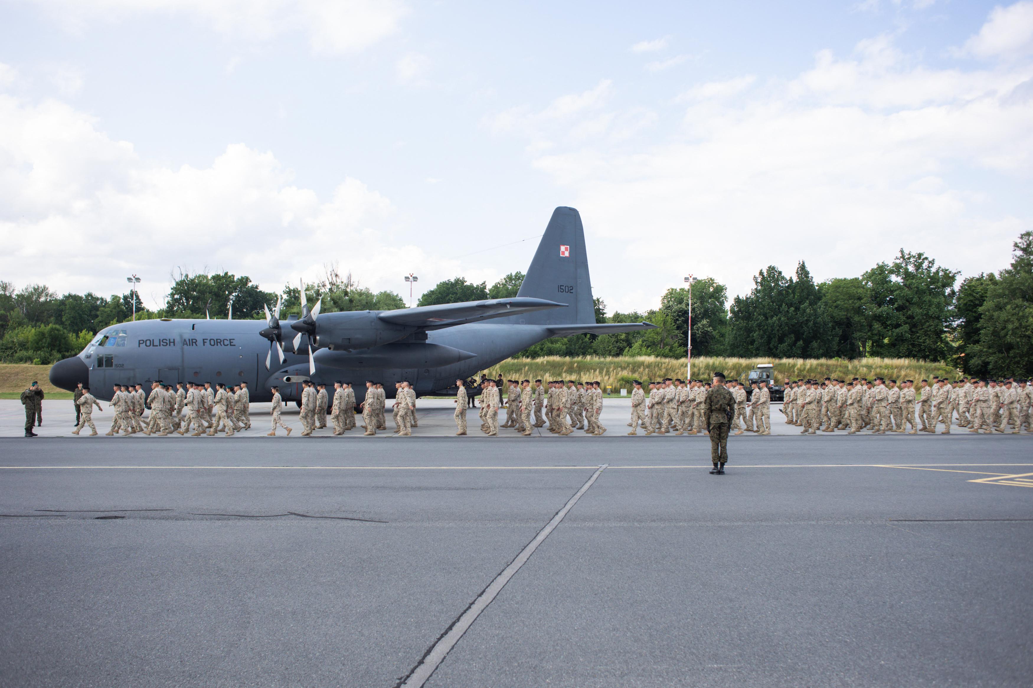 Lengyelország leállította a kabuli evakuációt, mert túl nagy biztonsági kockázattal jár
