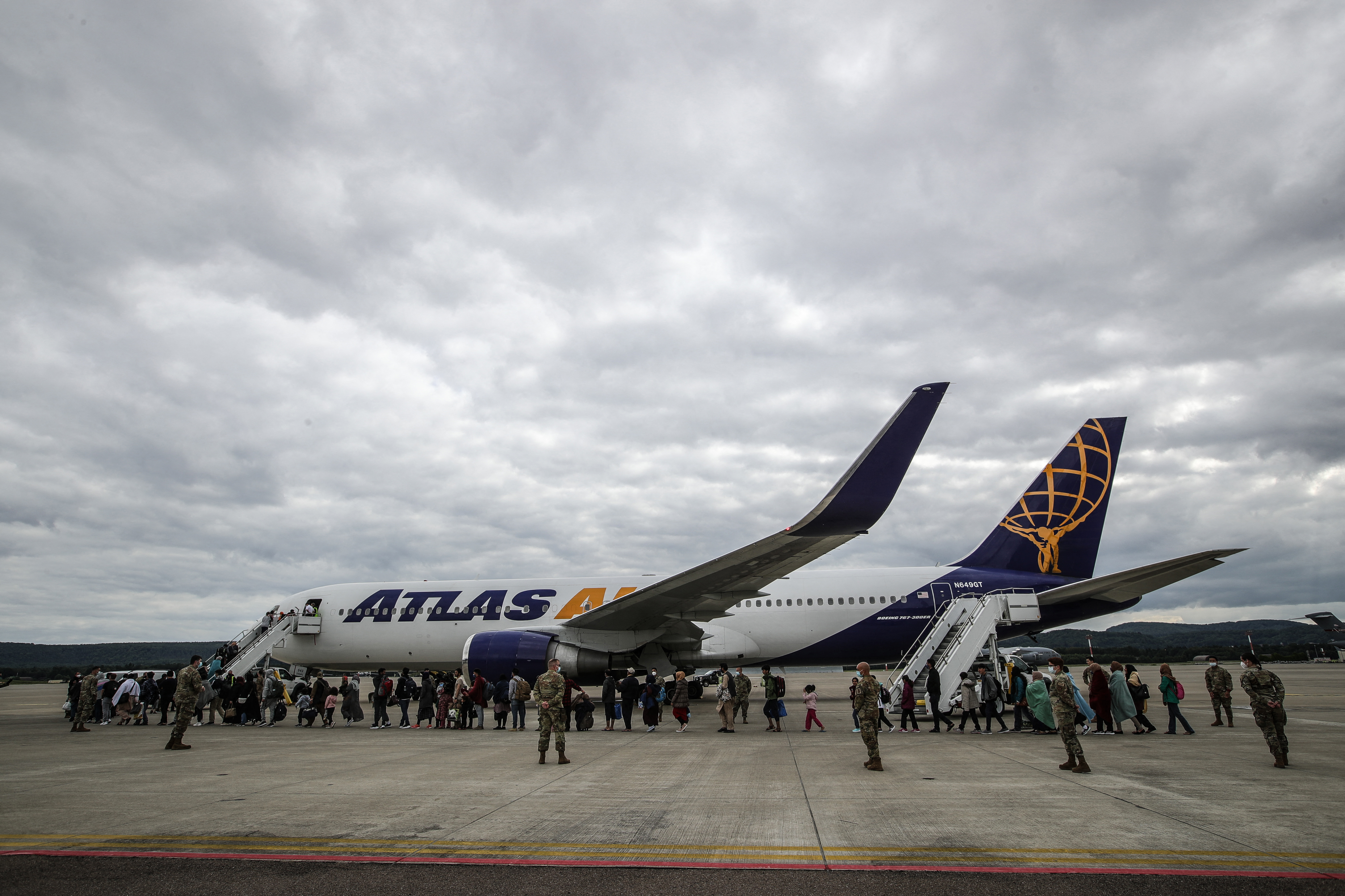 Már több mint 18 ezer ember érkezett az amerikai légierő németországi támaszpontjára Kabulból