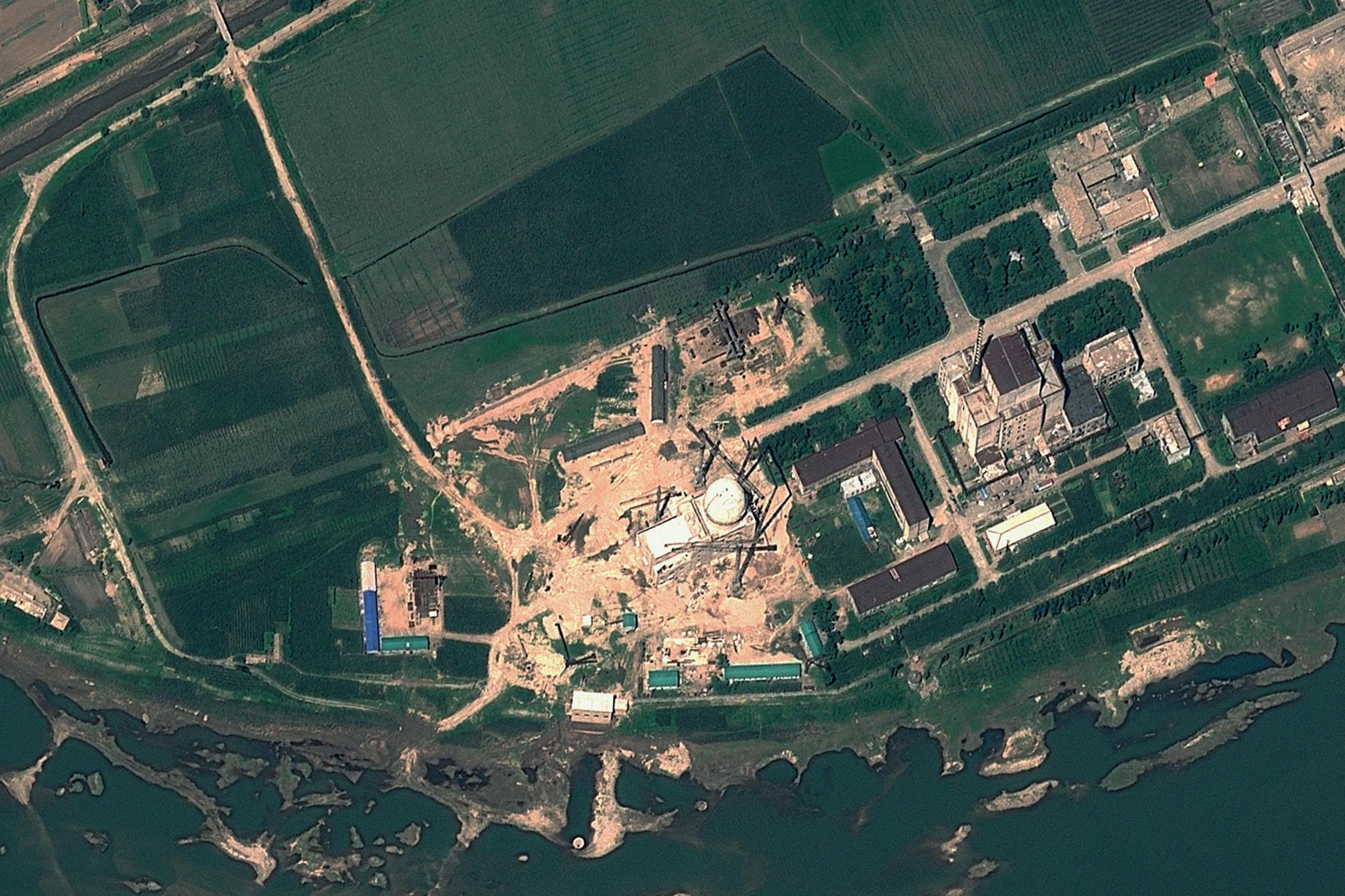 Friss műholdképek szerint Észak-Korea újraindította jongbjoni atomreaktorát