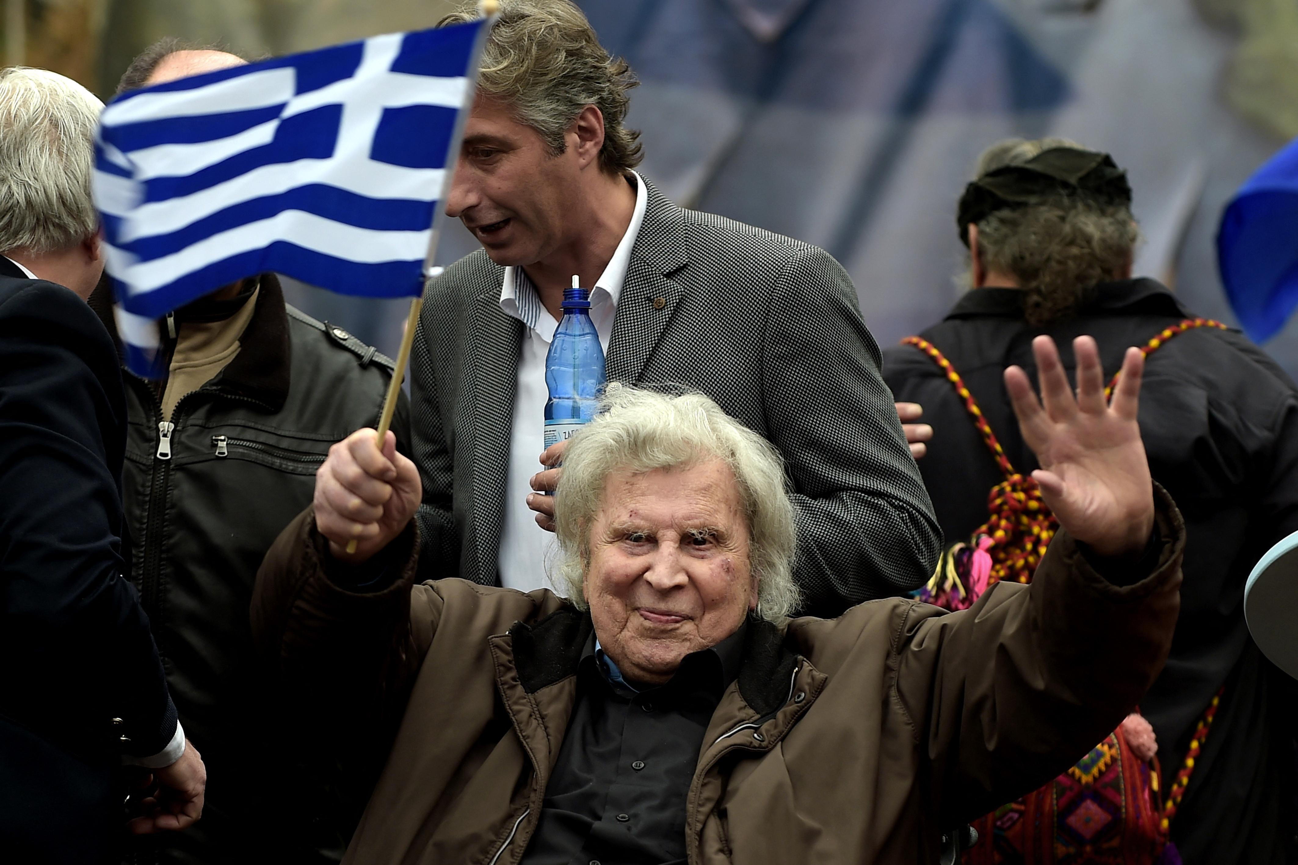 Meghalt Mikisz Theodorakisz, a világhírű görög zeneszerző