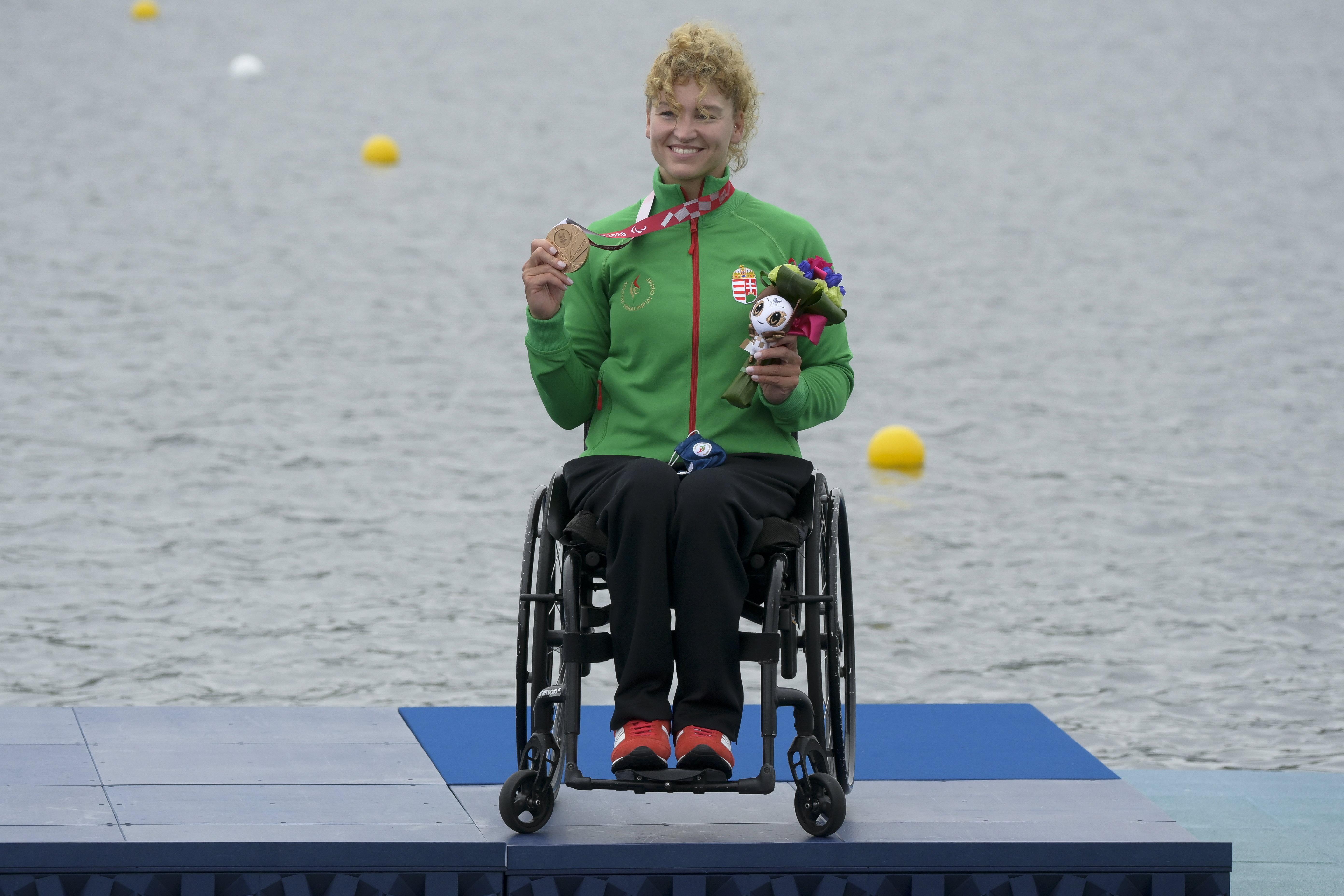A kajakos Varga Katalin bronzérmert nyert a paralimpián