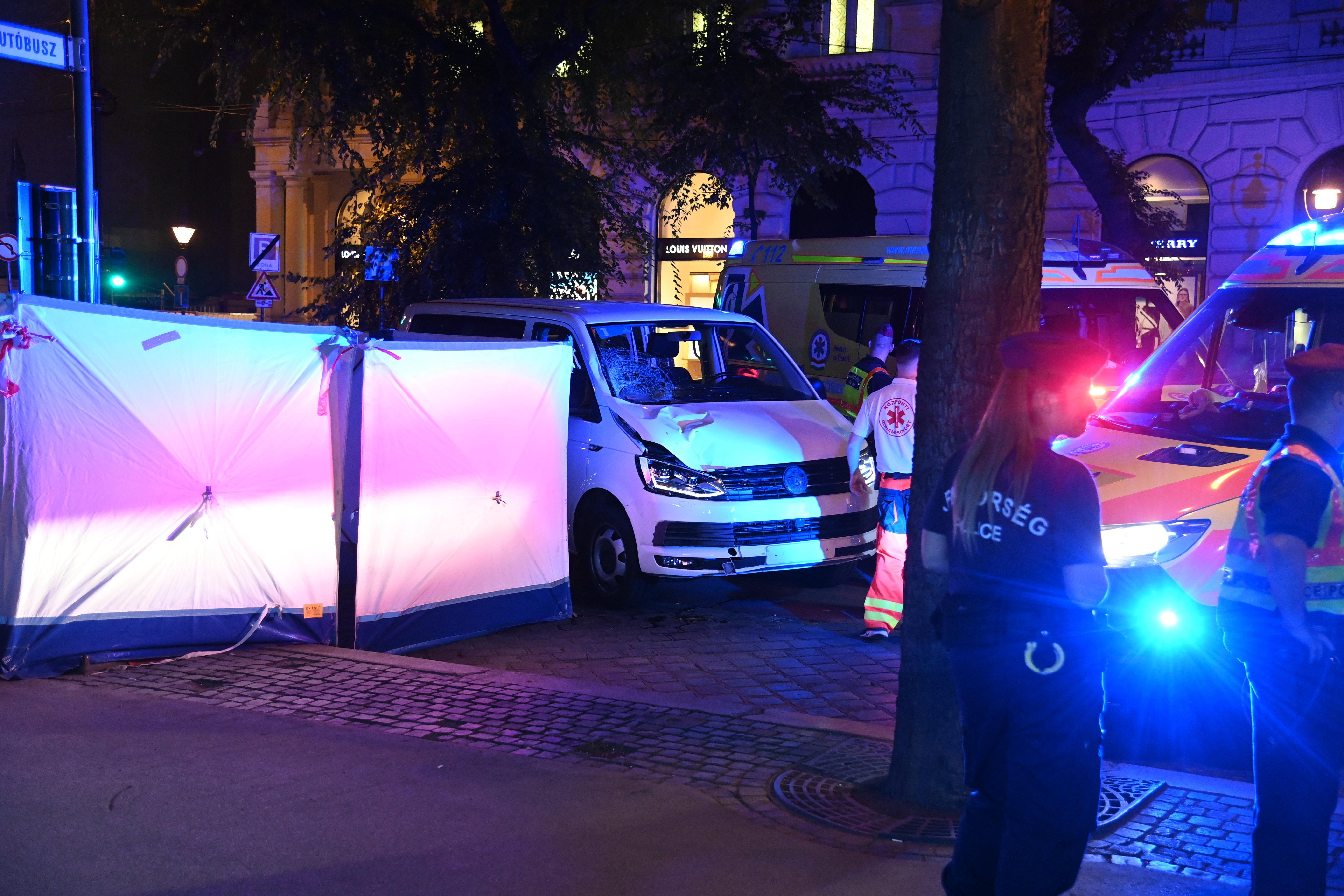Halálra gázolt egy gyalogost egy, az Eucharisztikus Kongresszusra tartó kisbusz