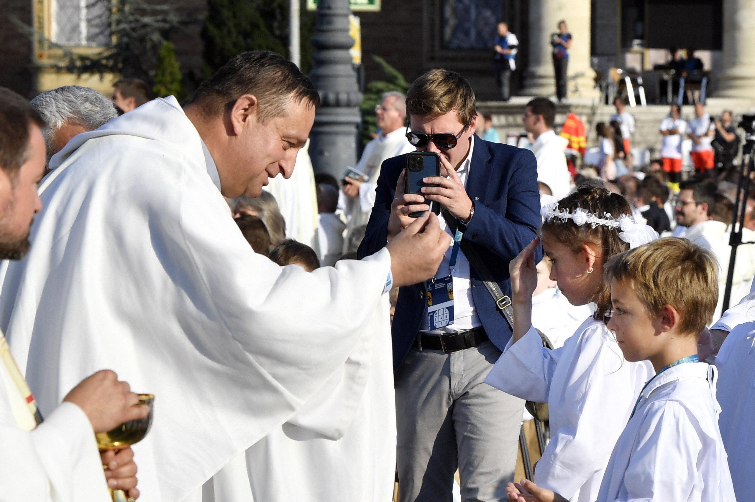 A katolikus iskolák tanévnyitója az Eucharisztikus Kongresszus nyitómiséje volt