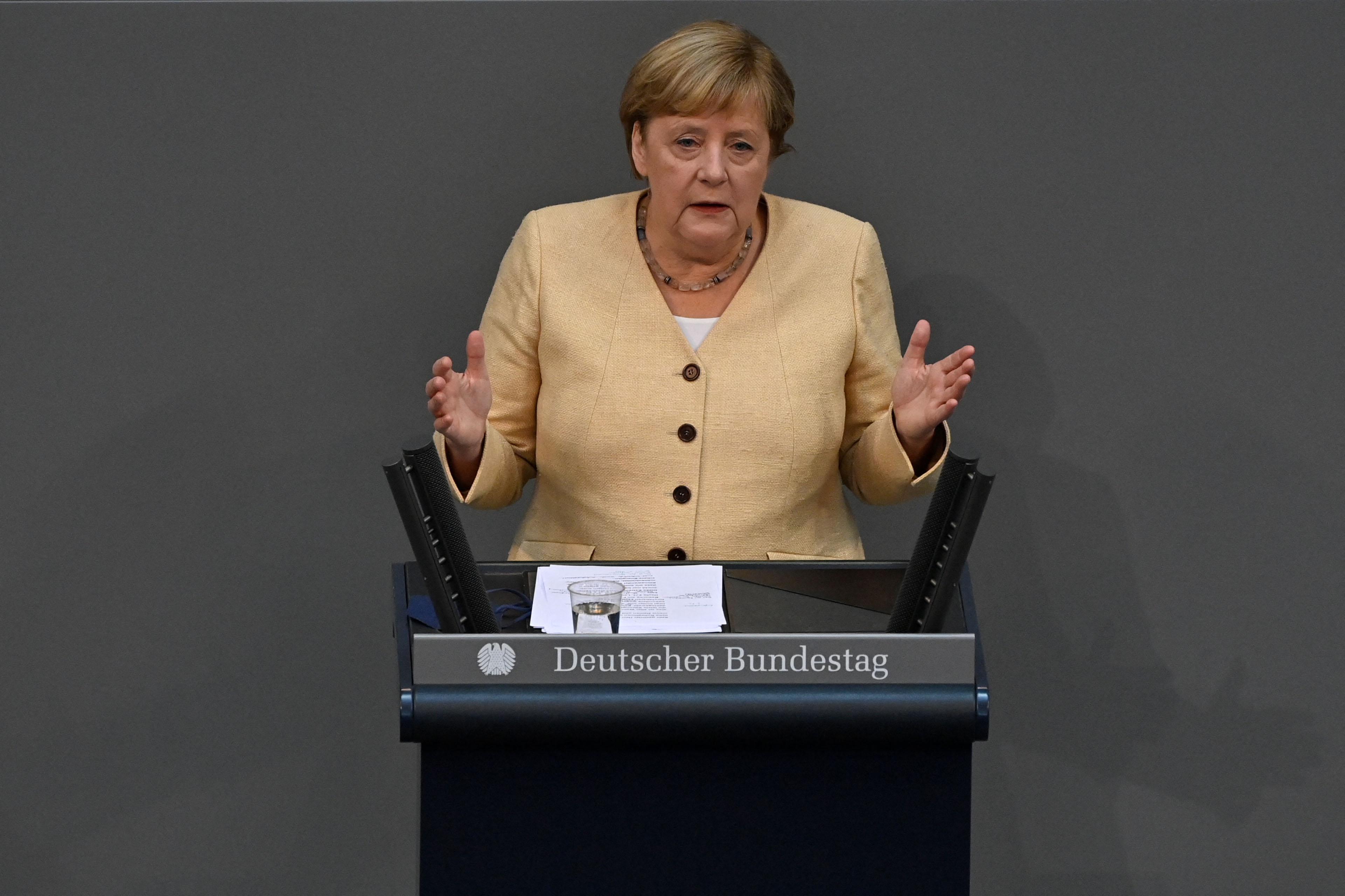 Angela Merkel baloldali fordulattal riogatott az utolsó beszédében a Bundestagban