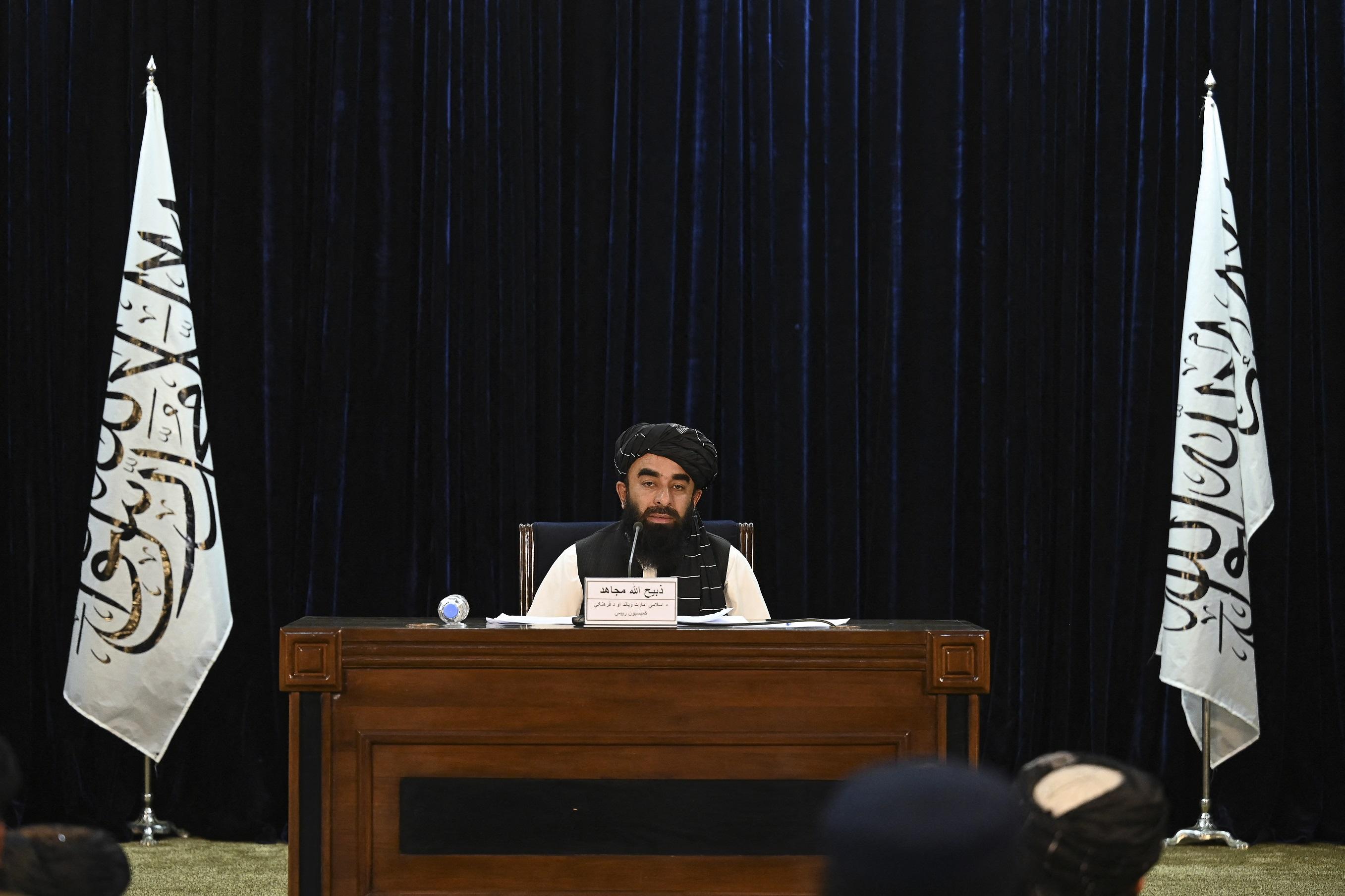 """A tálibok """"átmeneti kormányt"""" alapítottak Afganisztánban"""