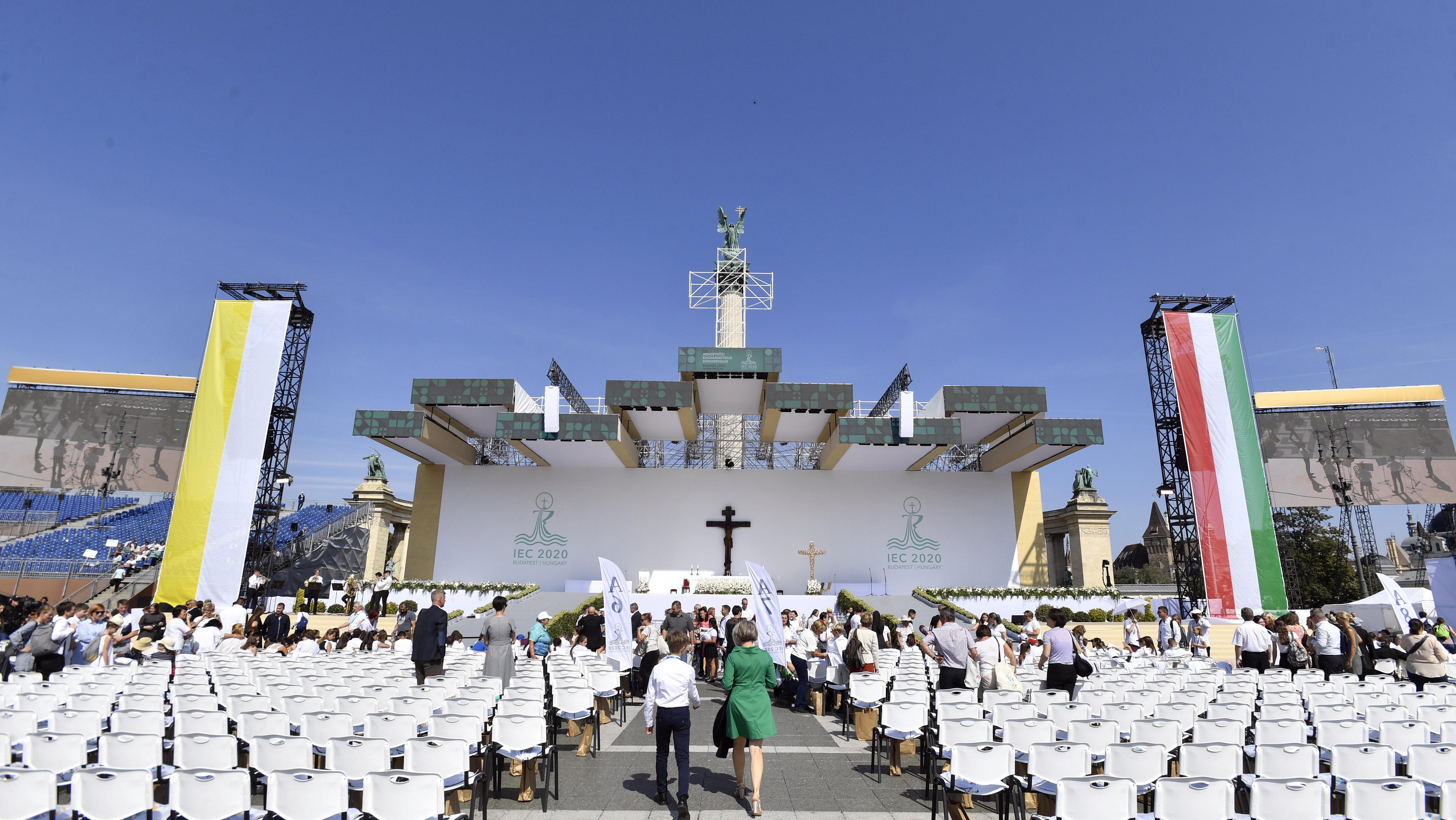 Az Eucharisztikus Kongresszus miatt csütörtök éjféltől lezárják fél Pestet