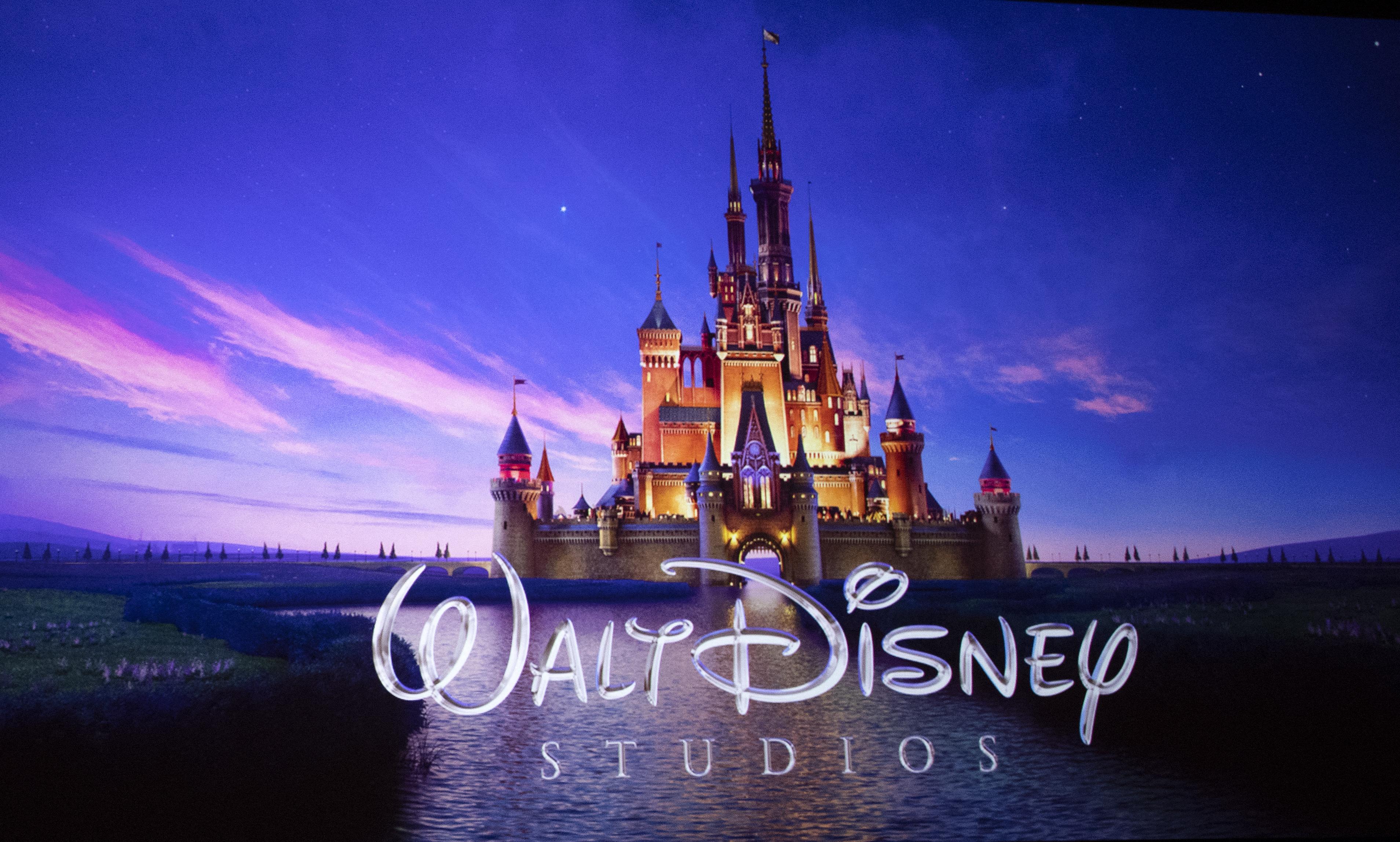 Hírek 2021-ben: a Walt Disney úgy döntött, új filmjeit a mozikban mutatja be