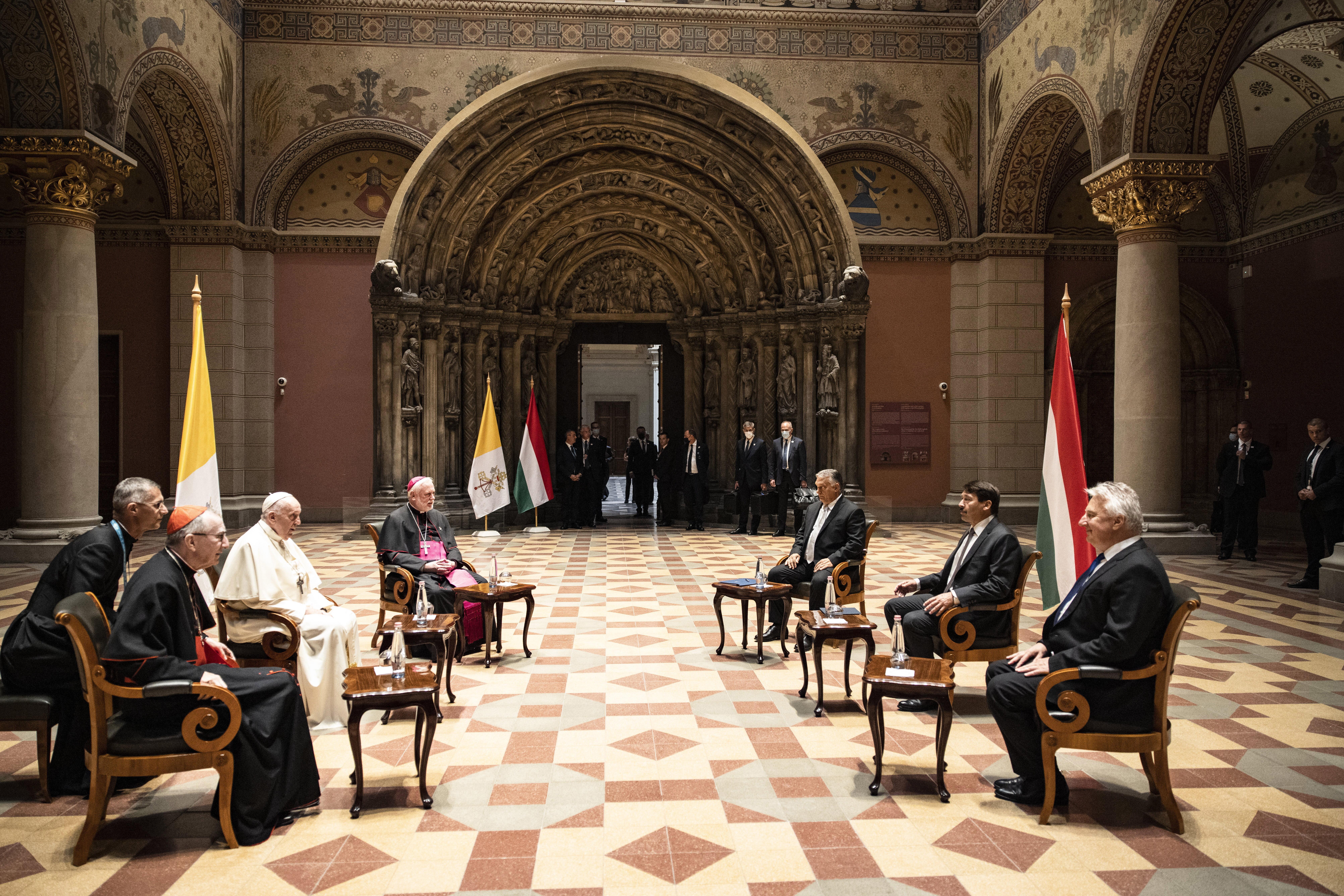 Ferenc pápa azt mondja, találkozójukon végig Áder beszélt, Orbán és Semjén csak ritkán szólalt meg