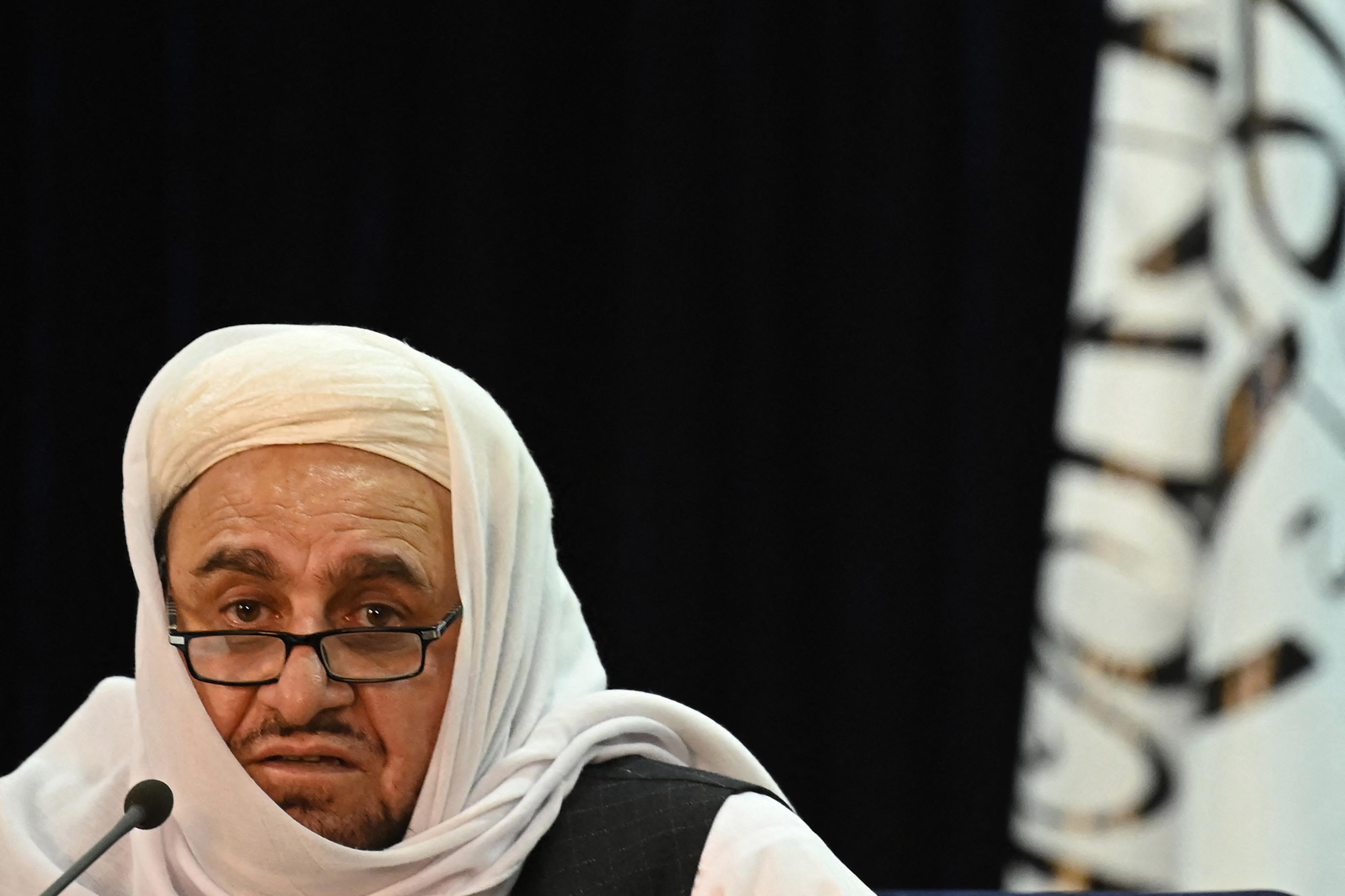A tálibok azt ígérik, hogy tanulhatnak nők az egyetemeken, de a koedukált oktatásnak vége