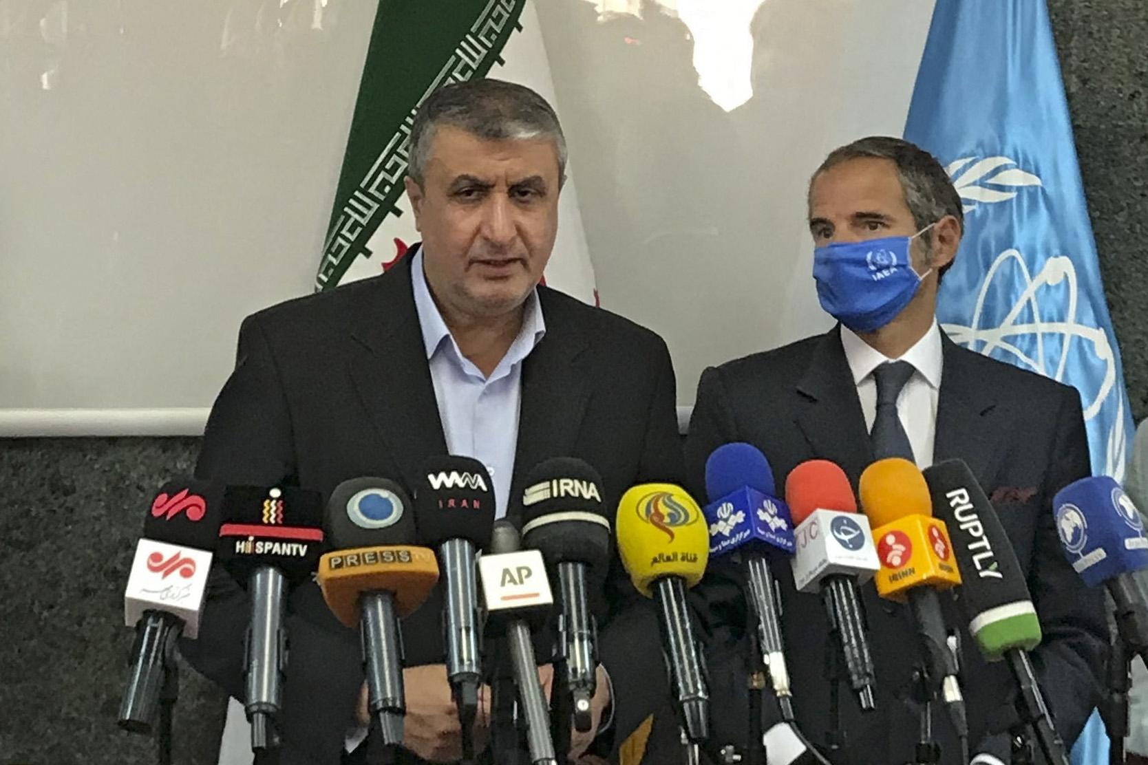 Irán engedélyezi, hogy az ENSZ új memóriakártyákat tegyen az atomlétesítmények kameráiba