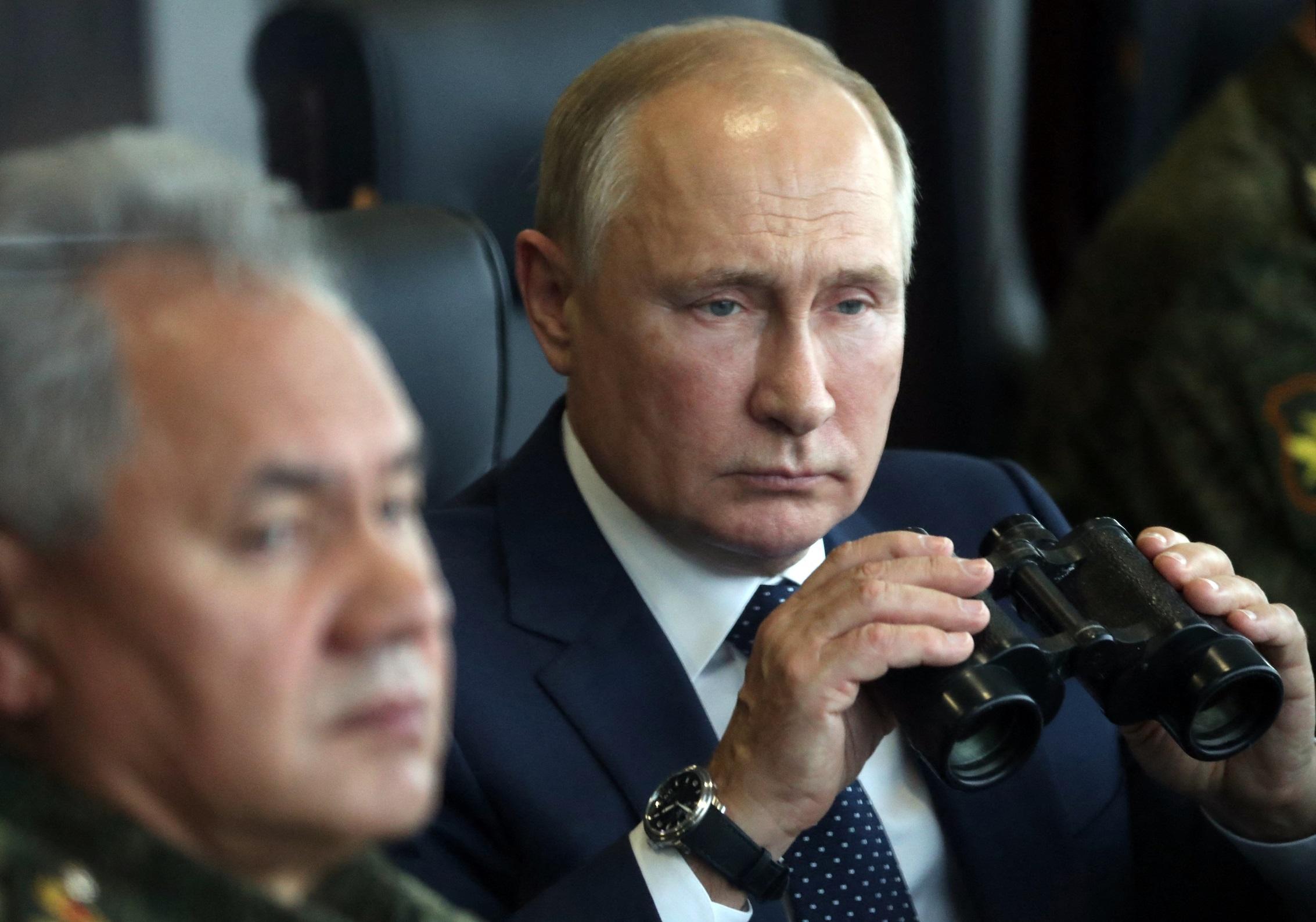 Harci robotokat mutattak be Putyinnak a Zapad-2021 orosz-fehérorosz hadgyakorlaton
