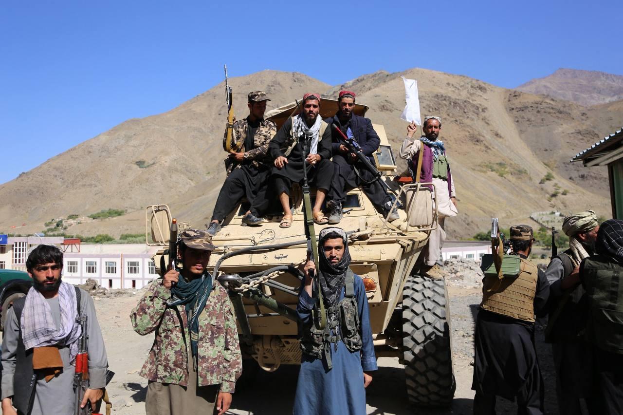 A tálibok már civileket gyilkolnak az eddig ellenálló Pandzsír-völgyben is