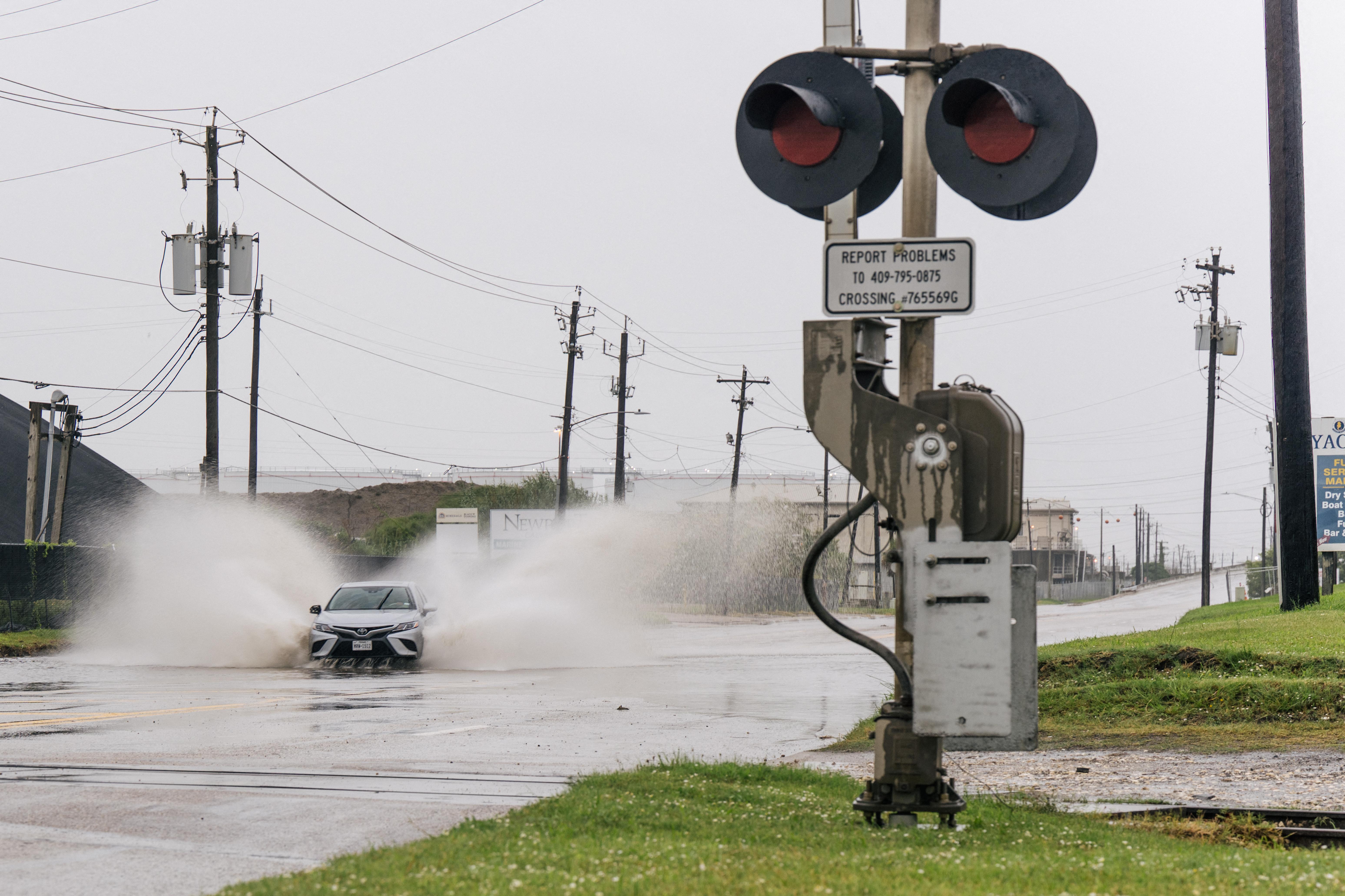 A hurrikánná erősödött Nicholas hamarosan elérheti Texast