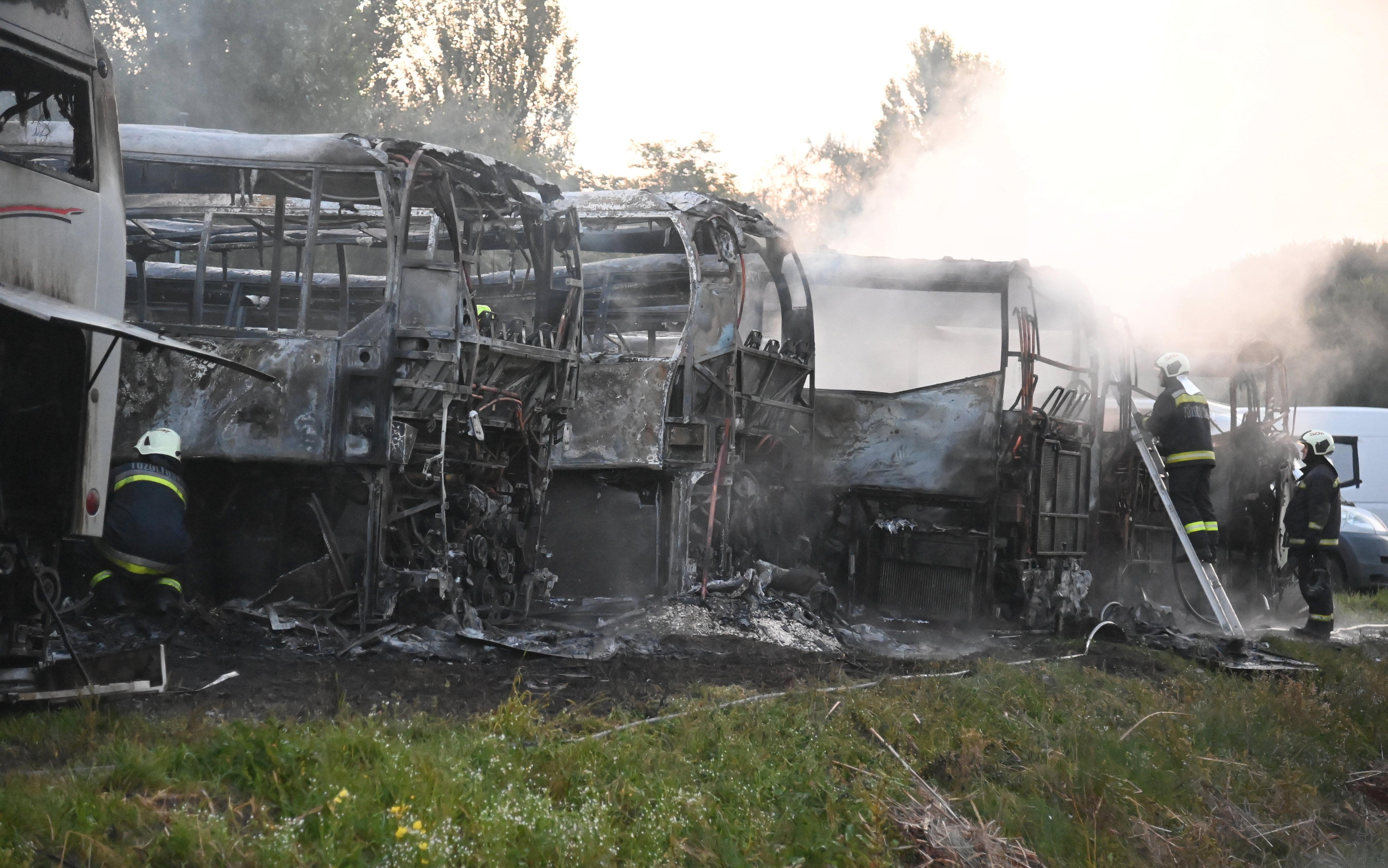 Több busz is kiégett egy dunavarsányi telephelyen