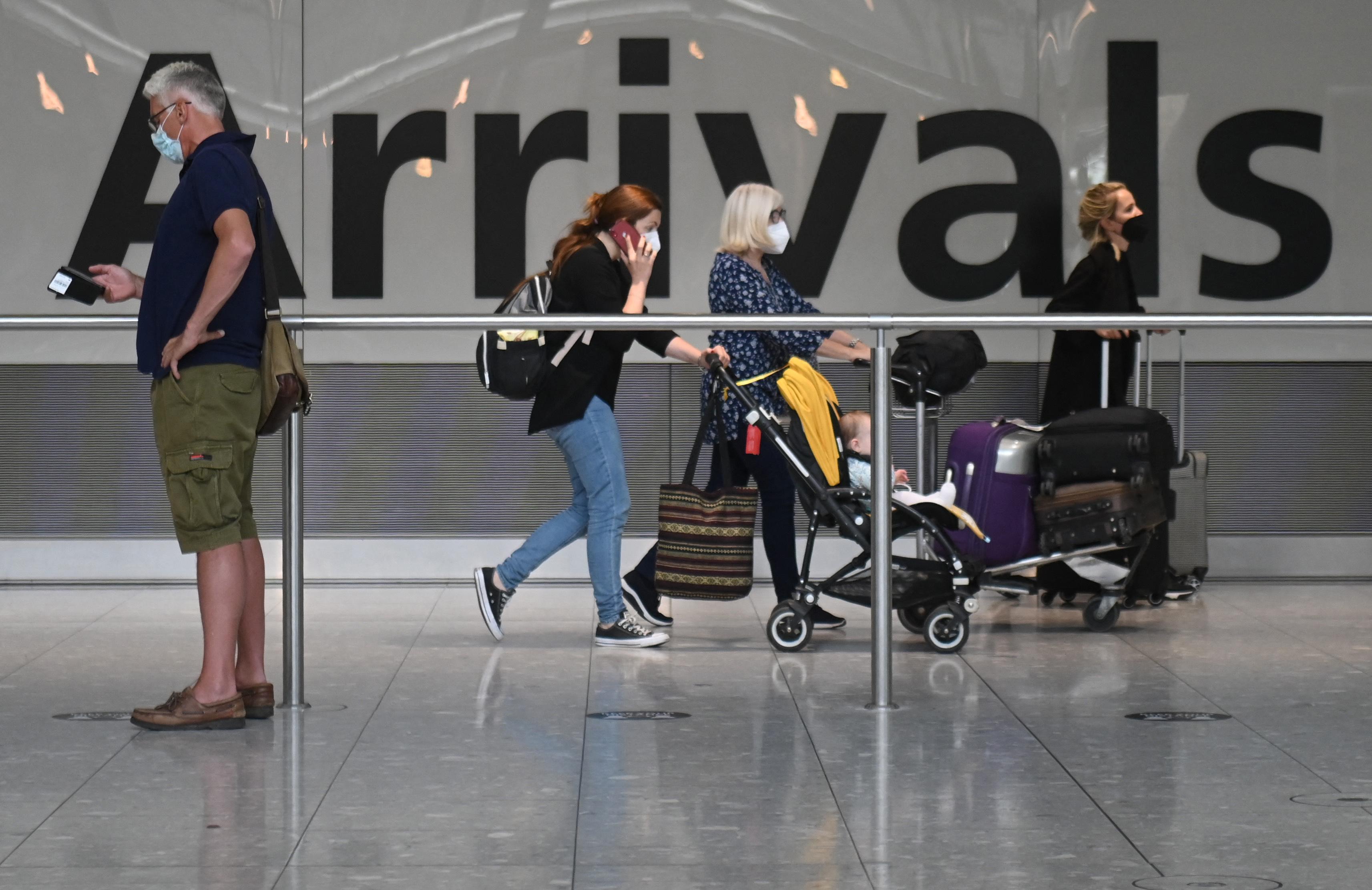 Októbertől az oltottaknak nem kell teszt az angliai beutazás előtt